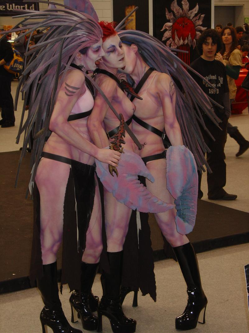 Cosplay and LARP in 40k 6448_md-Cosplay,%20Daemonettes,%20Real,%20Slaanesh