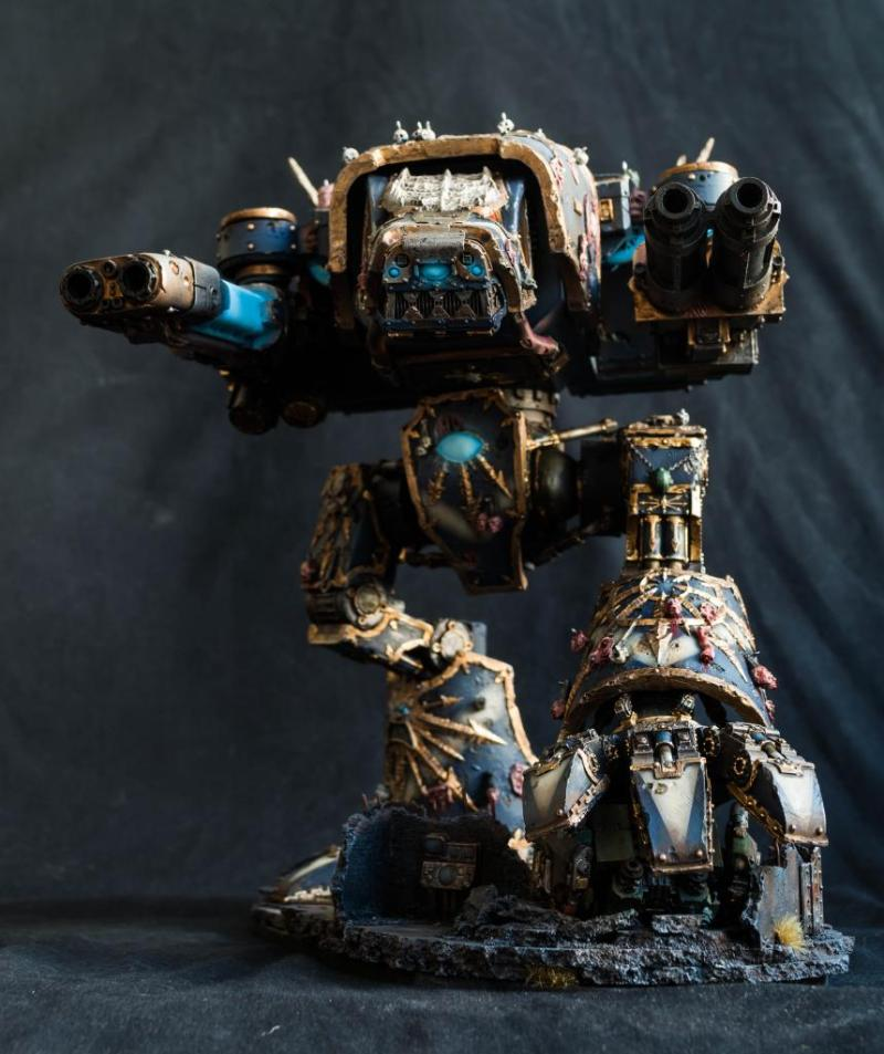 Night Lords affiliated Warhound Titan