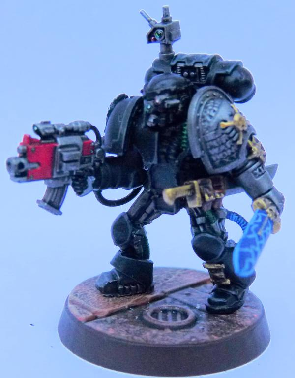 845670_sm-Iron%20Hands%20Deathwatch%20Fr