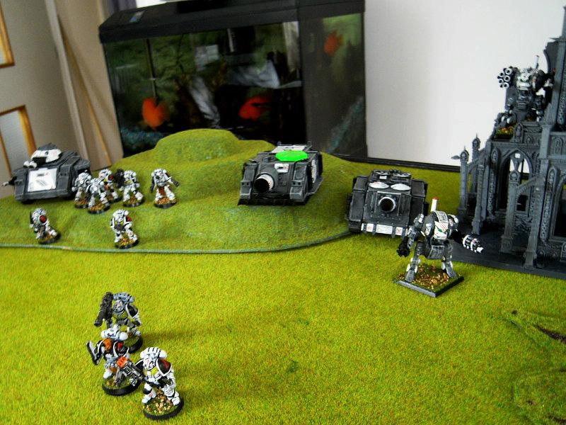 Battle Report, Game In-progress, Space Marines, Tank