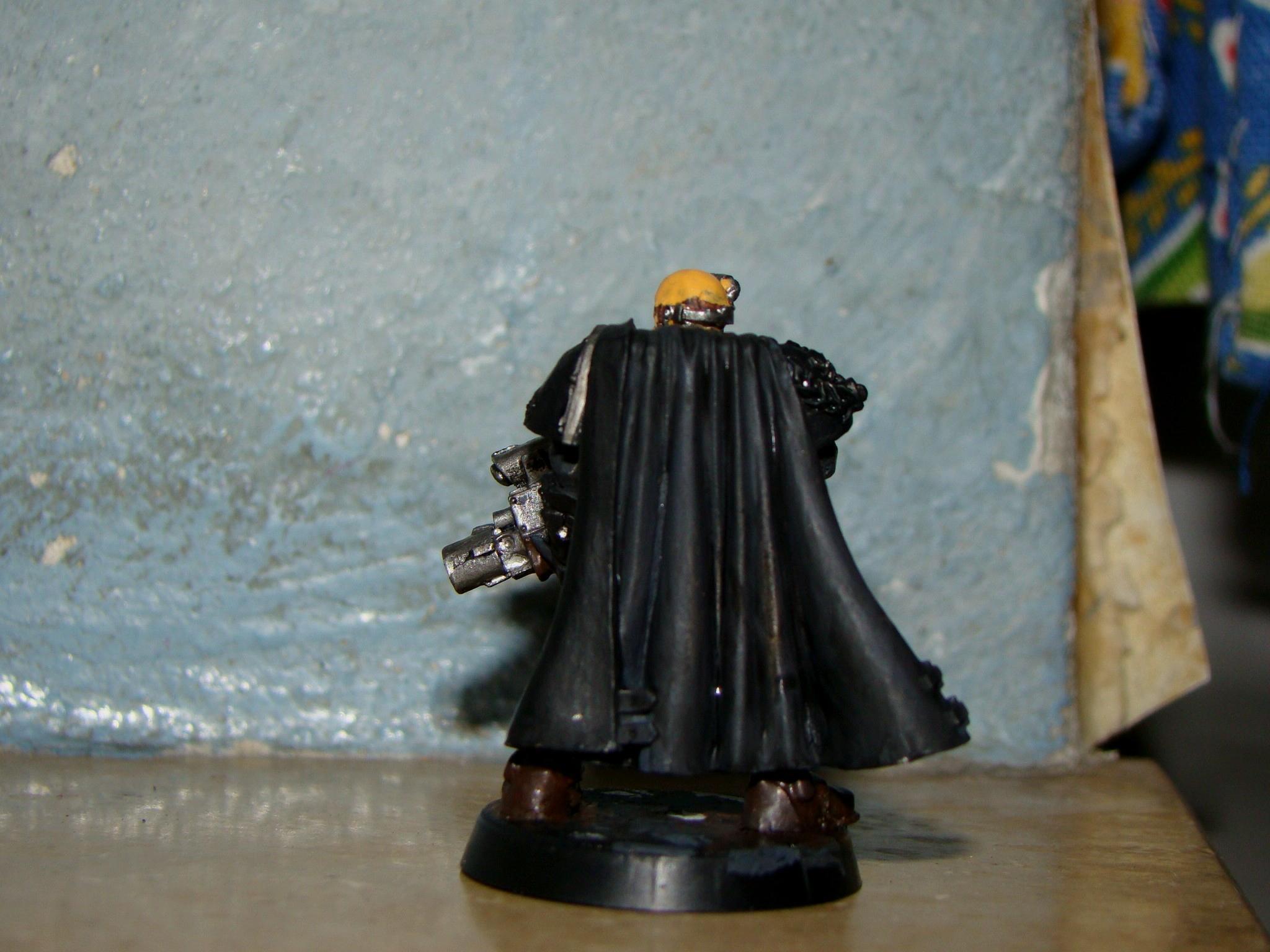 telion in black, rear 1