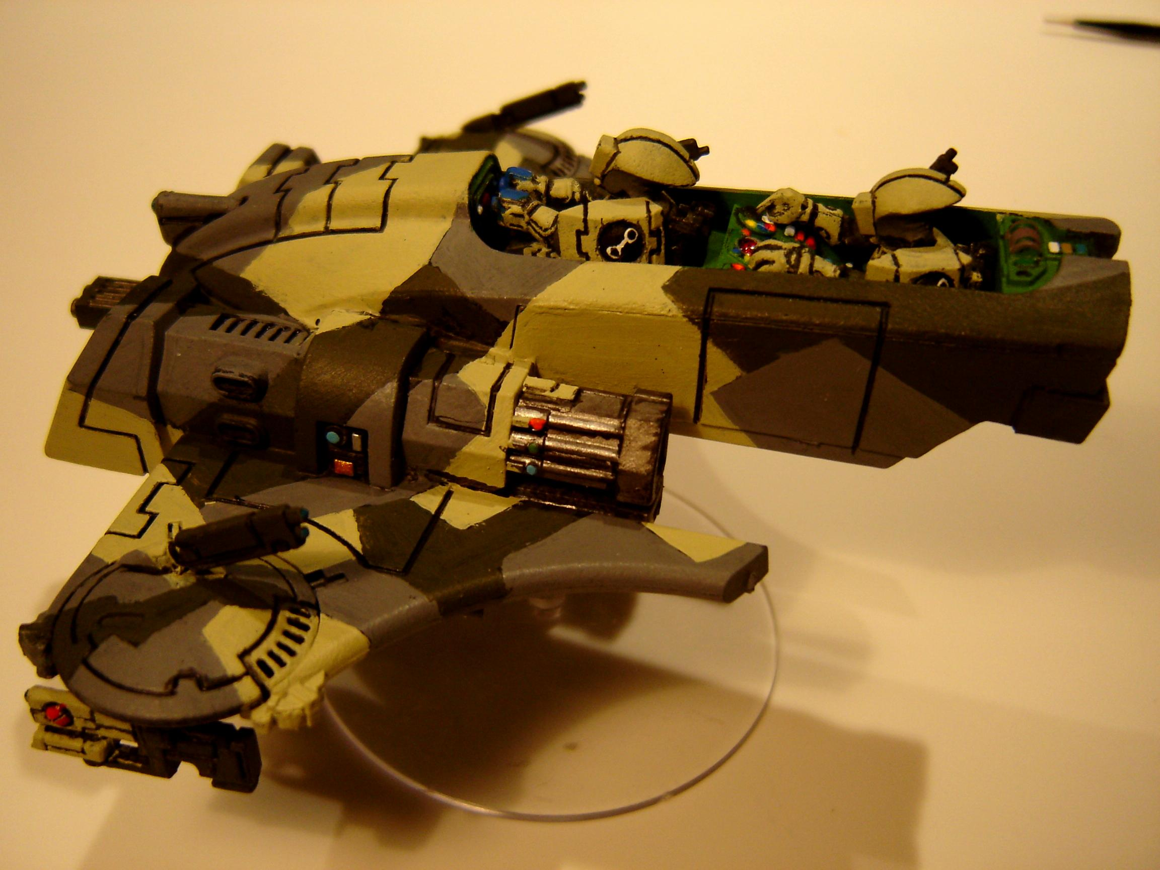 Tau, Tau Piranha side