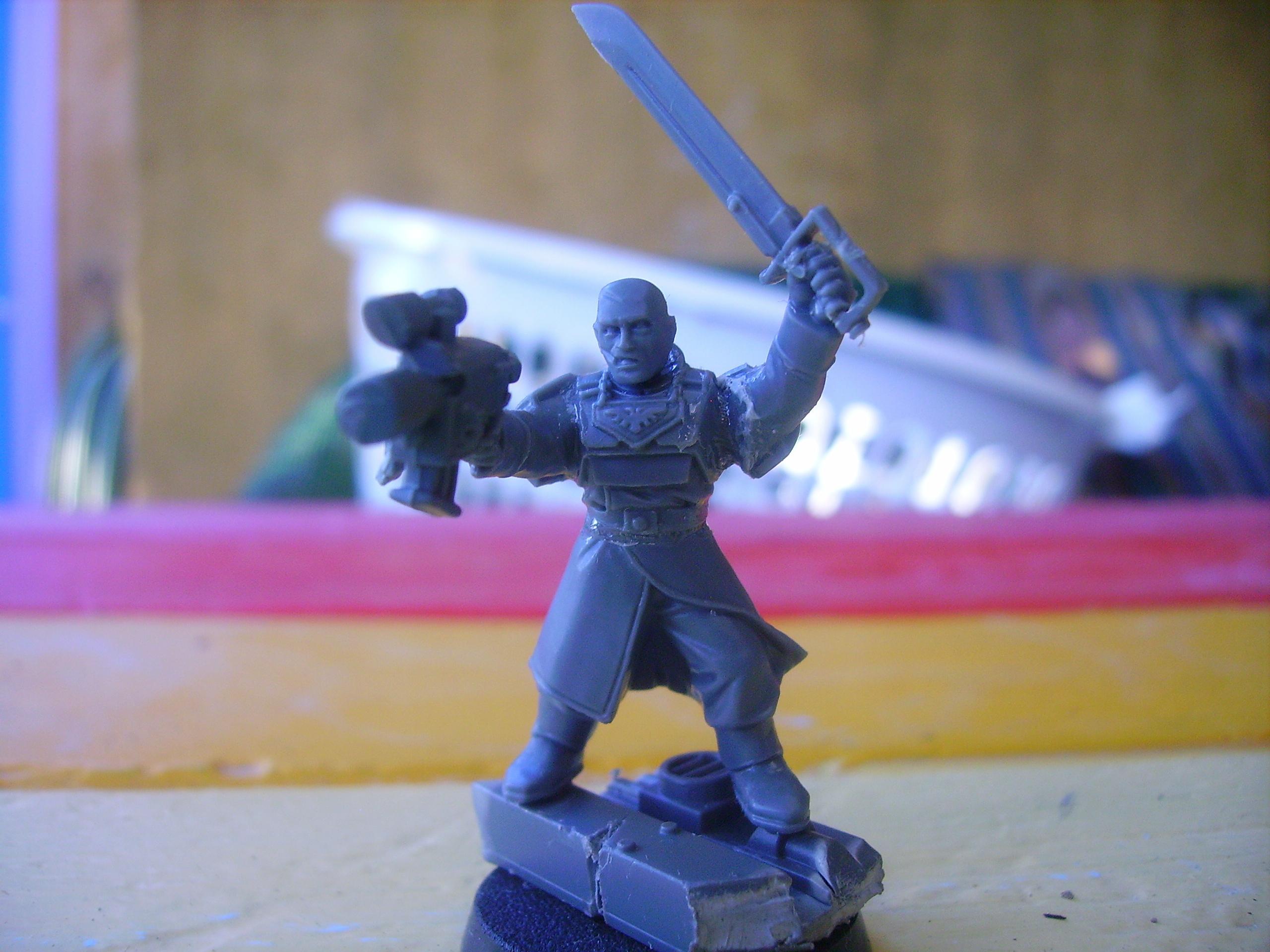 Guard, commander!