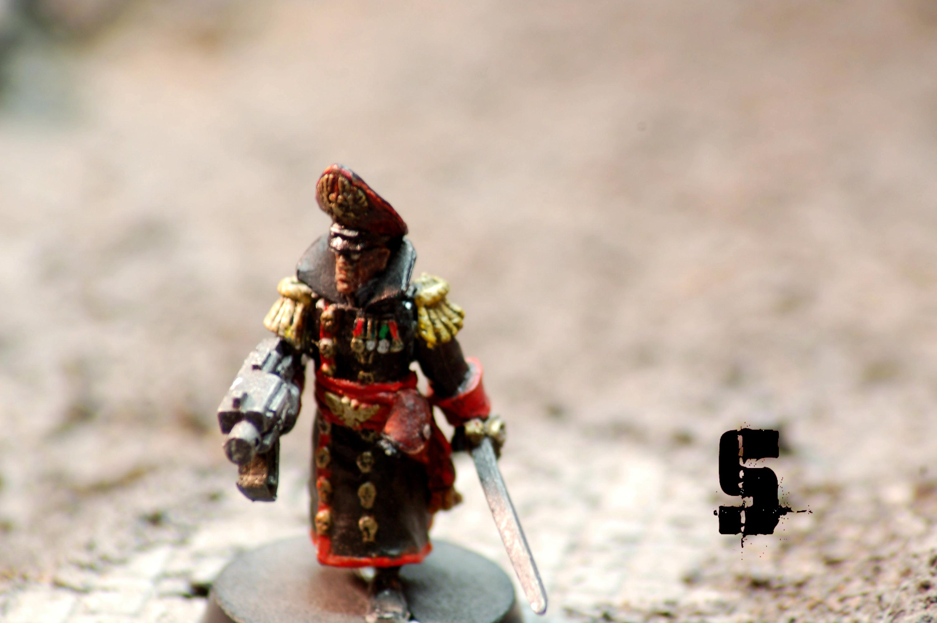 Close Up, Commissar, Saw