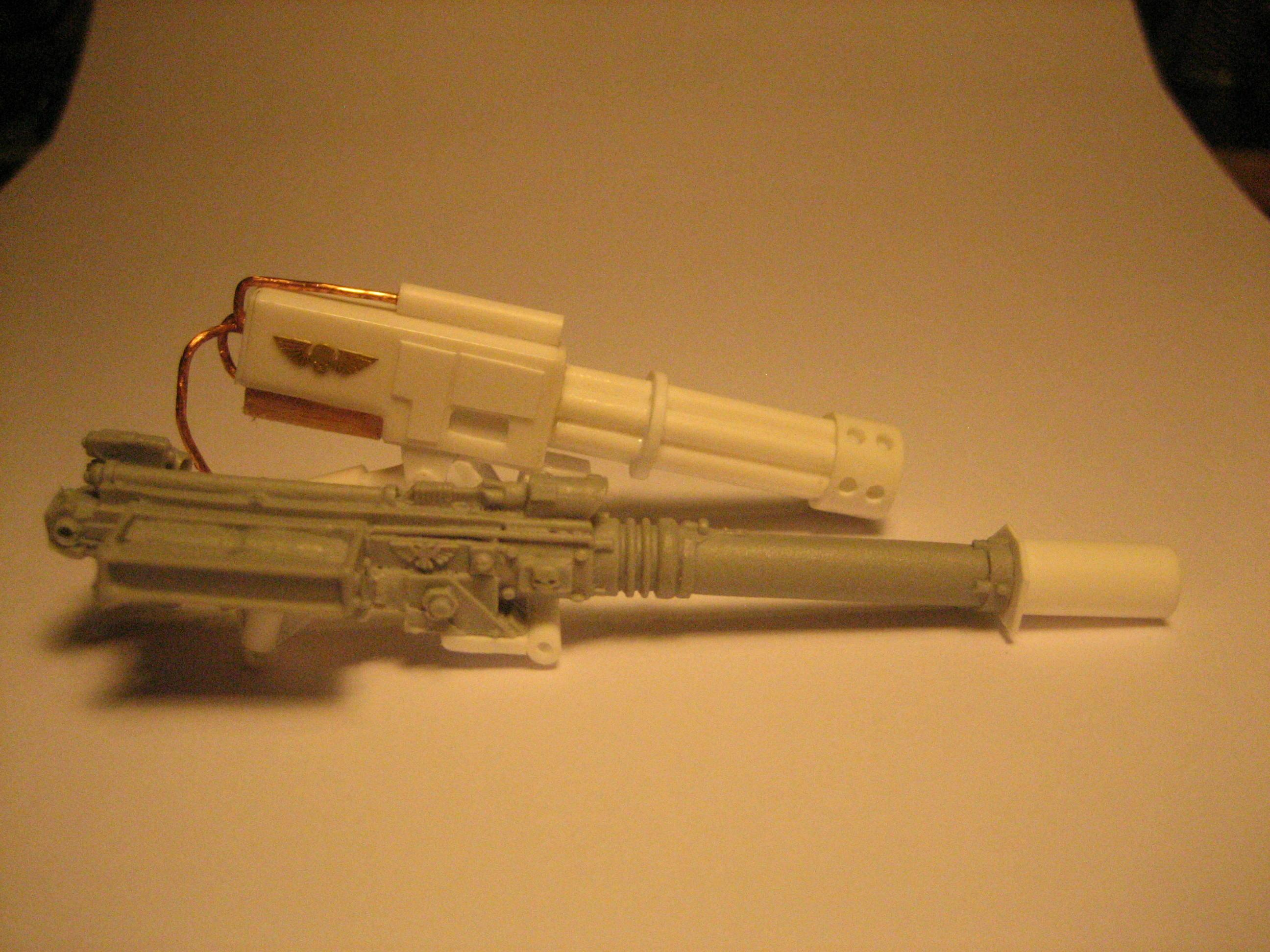Shortened barrels of the Punisher compared to the lengthened barrel of the Autocannon