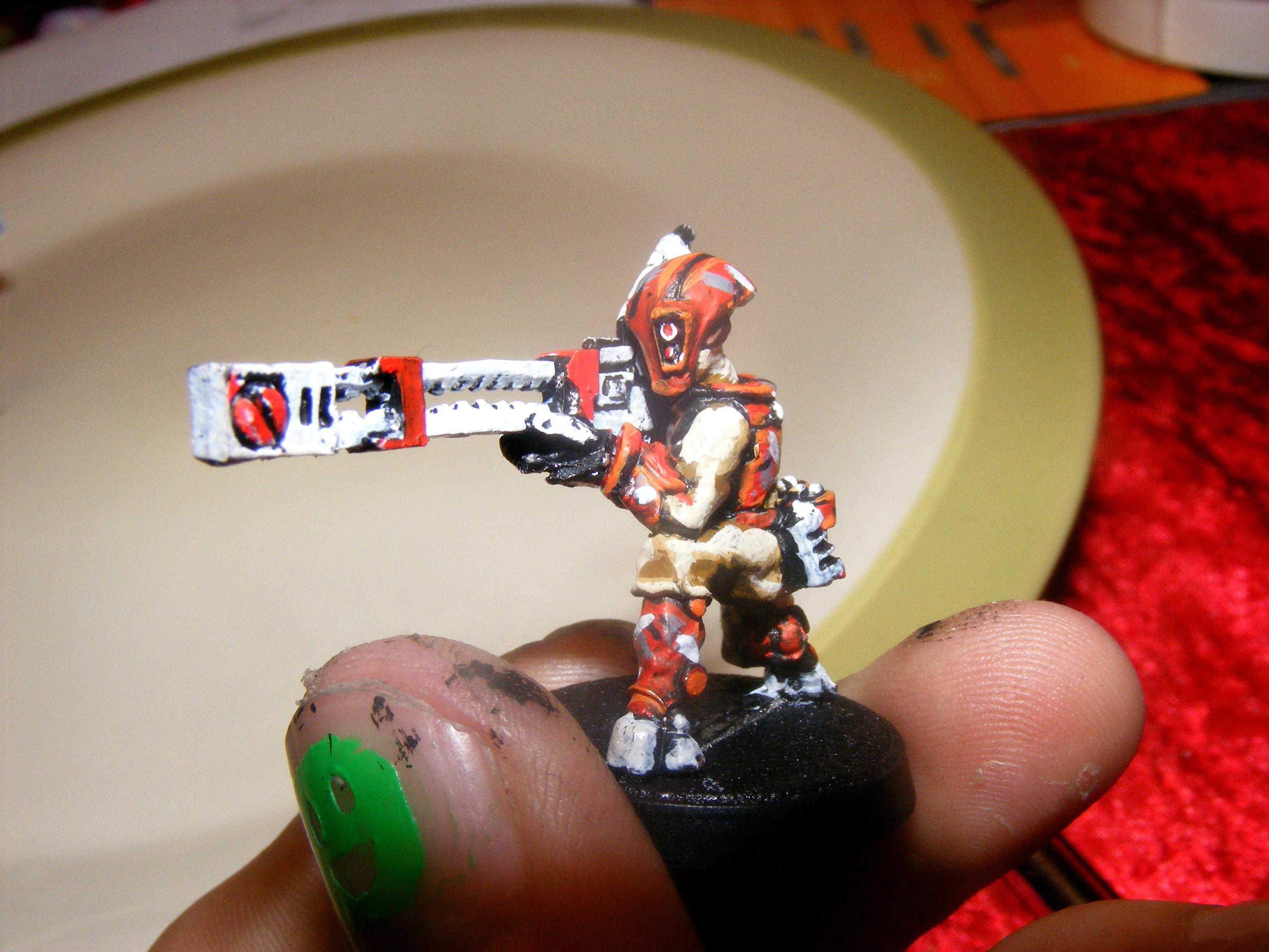 red camo pathfinder crouching