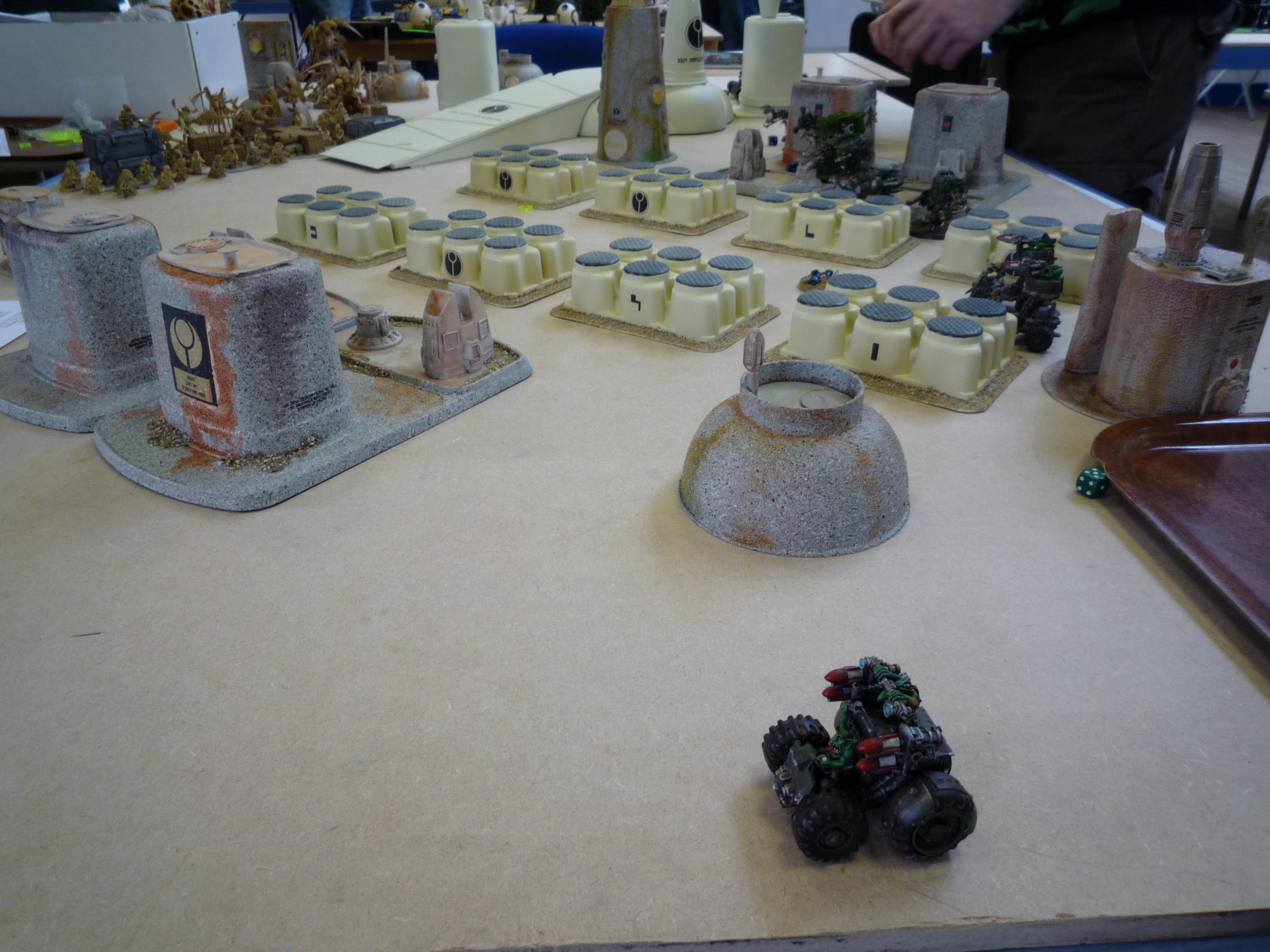 The Grot Rebellion faces Hive Fleet Kielbasa