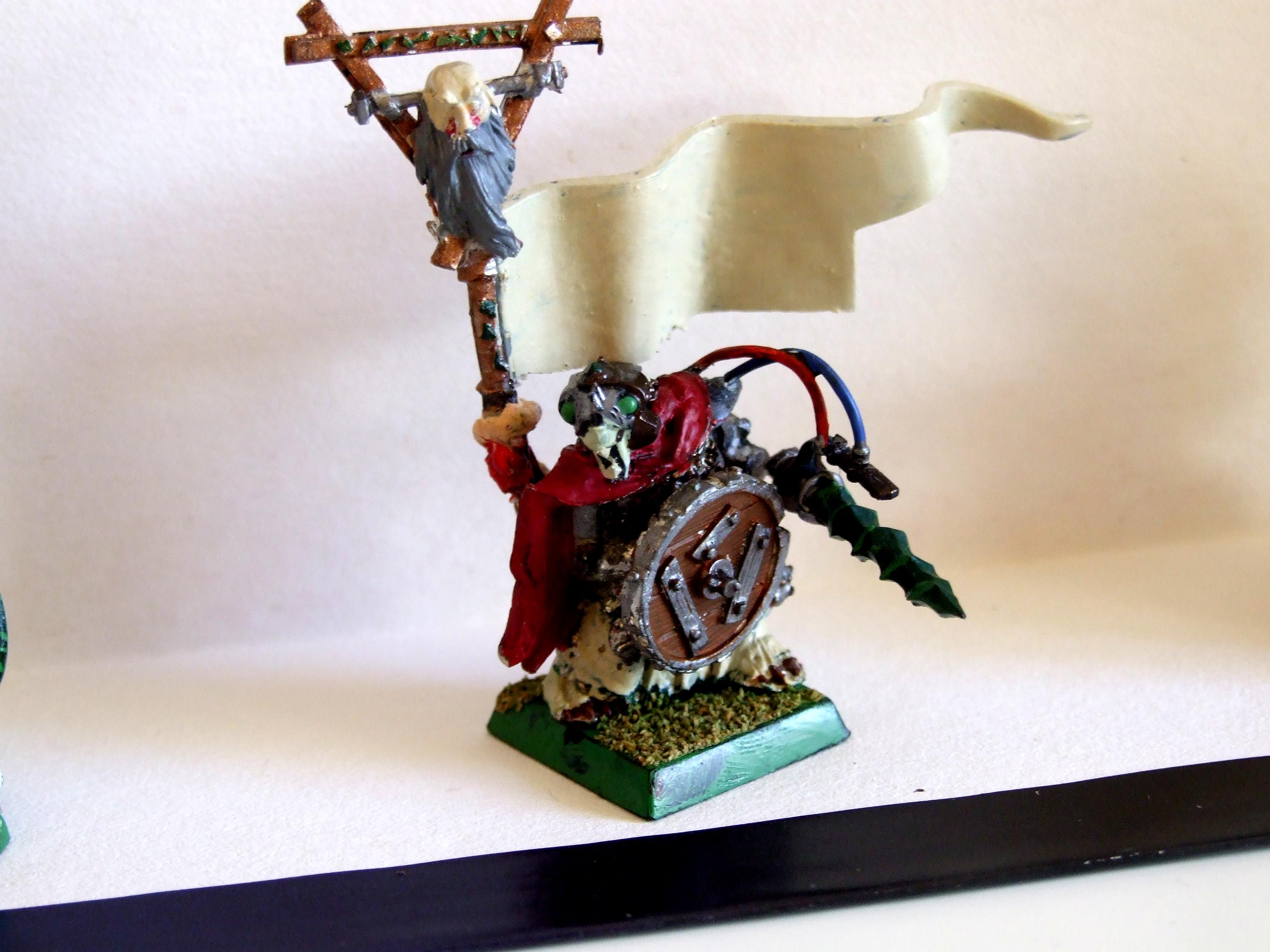 Engineer, Skaven, Standard Bearer