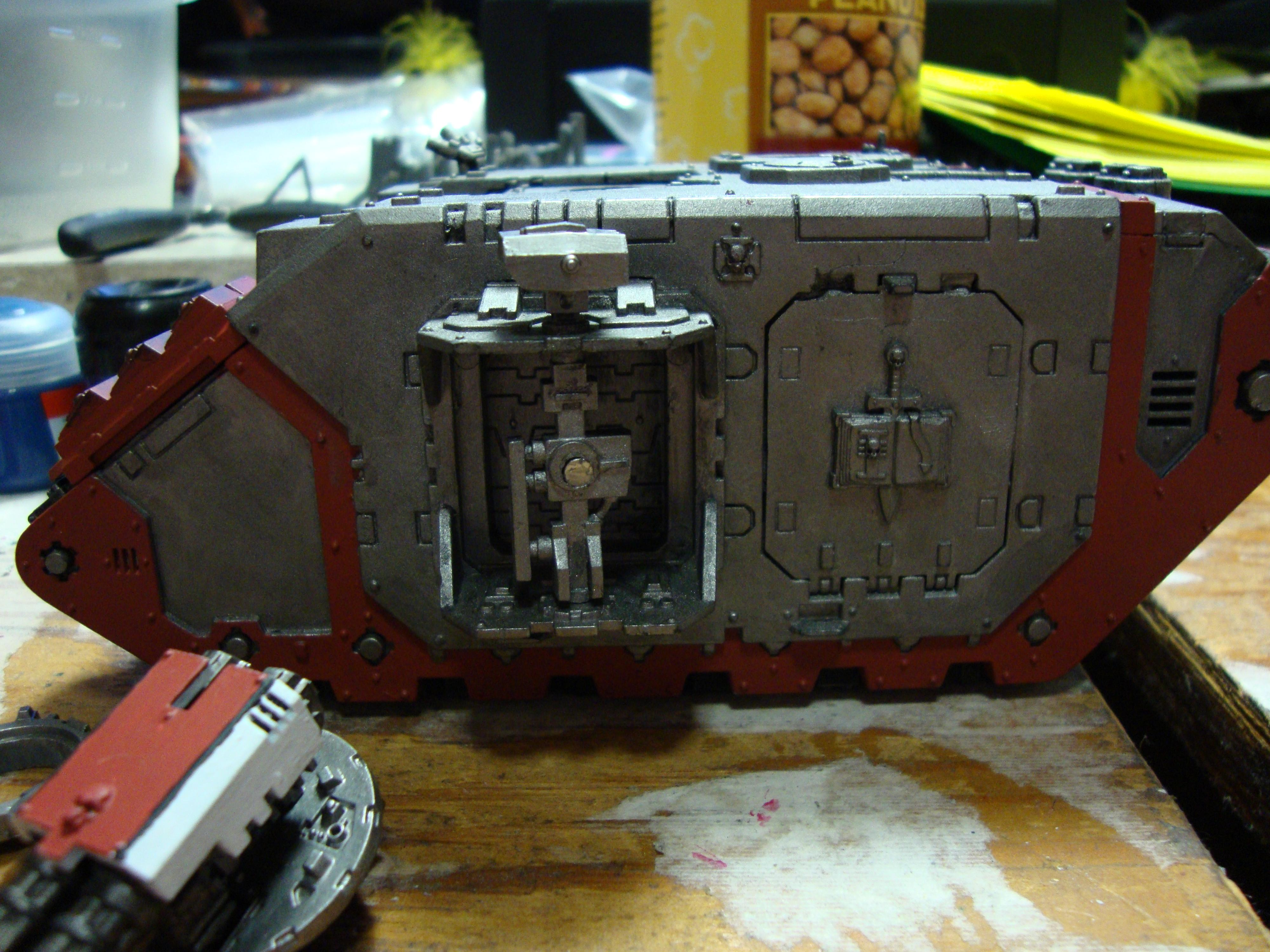 Land Raider, Standard light - flash makes the red look off