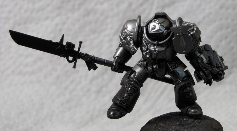 4. Grey Knight, zenithal layer 3, aluminium