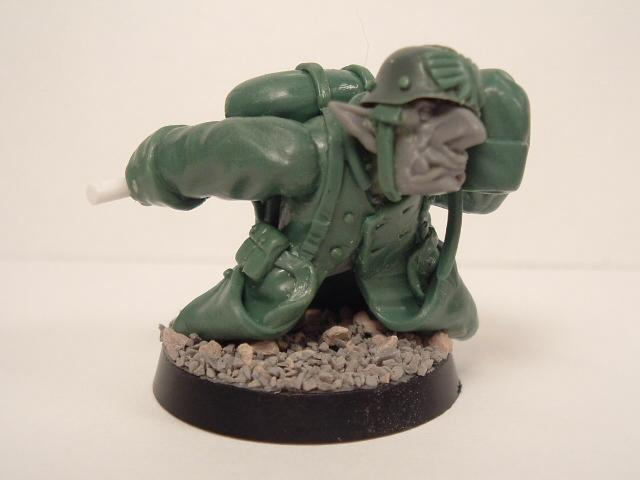 Grots, Trenchcoat, 'Eavy weapon Grot