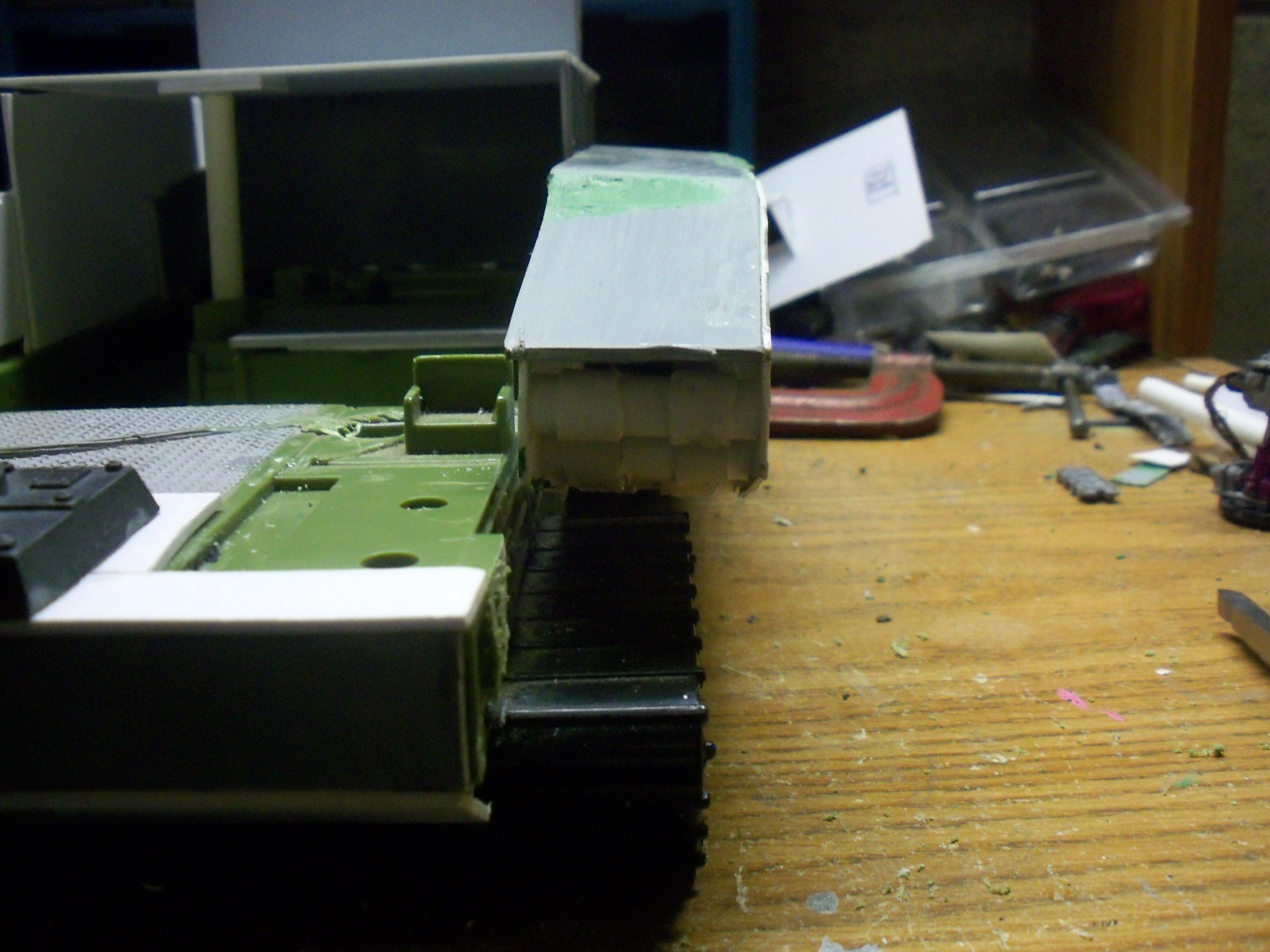 Conversion, Orks, front view of mounted tank side