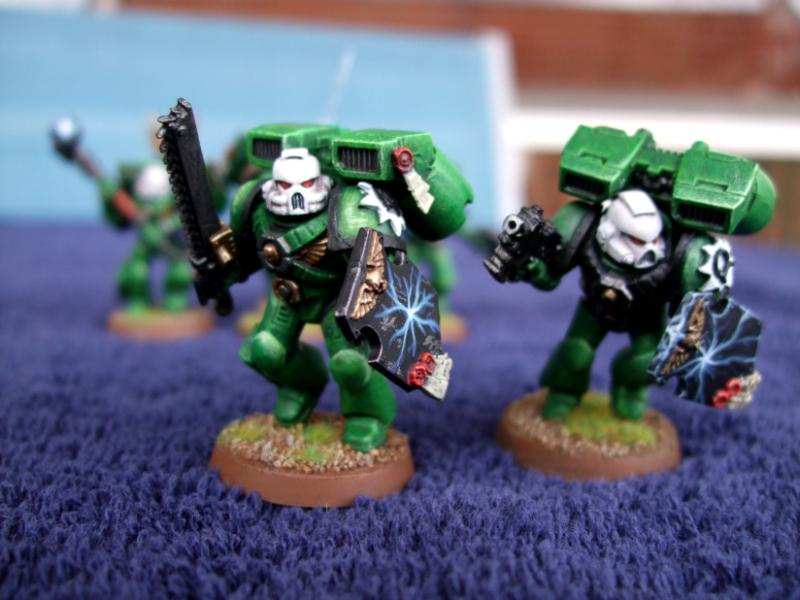 B Warhammer 40K Space Marines Vanguard Squad Storm Shield