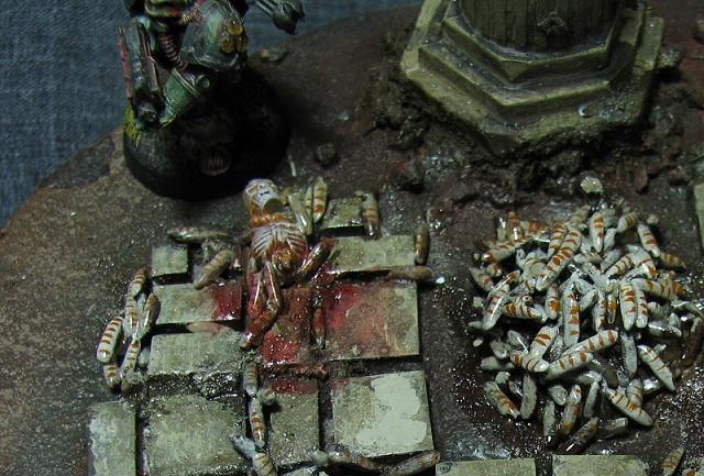 Maggot mound detail