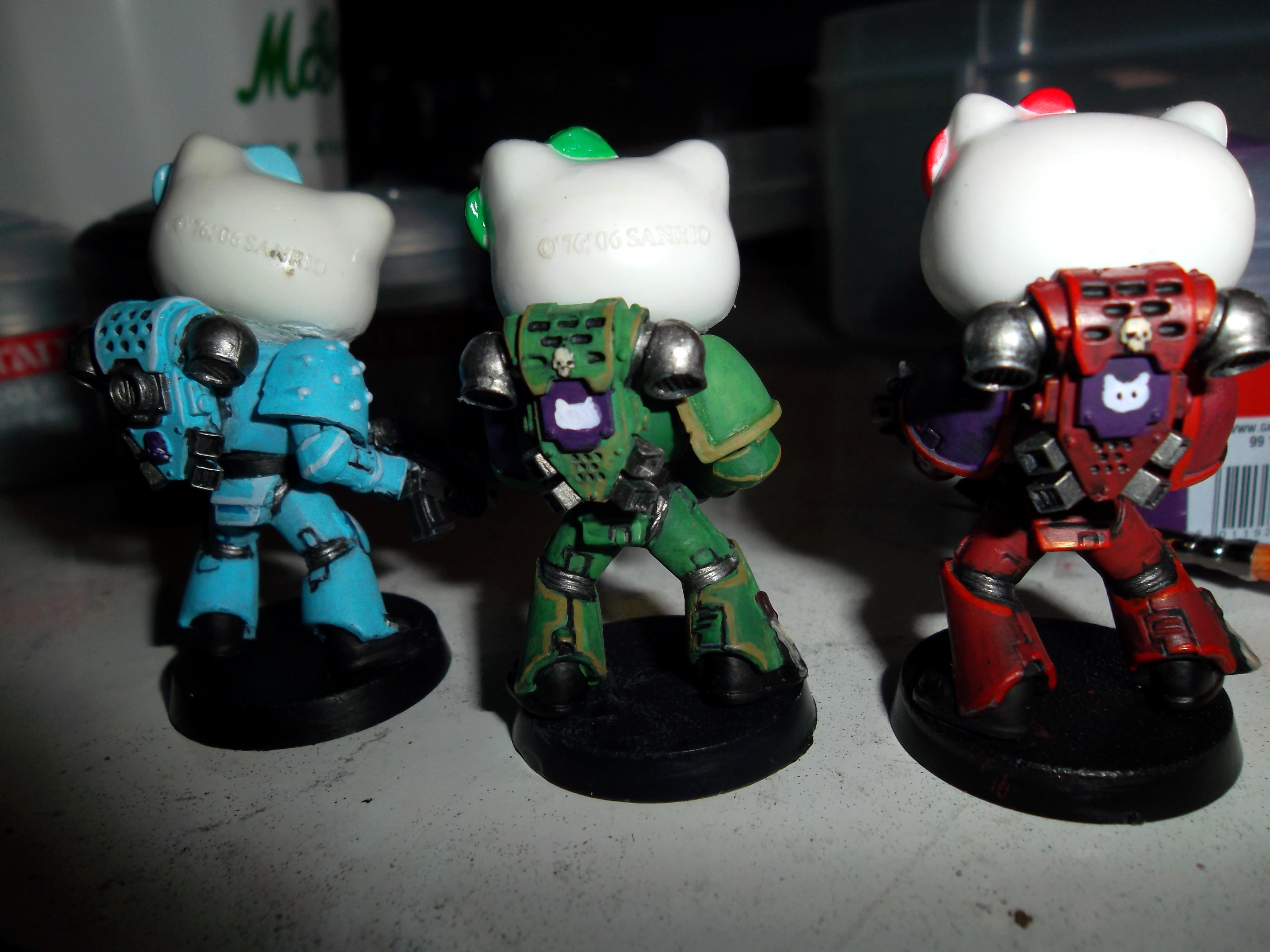 Hello Kitty marines, rear