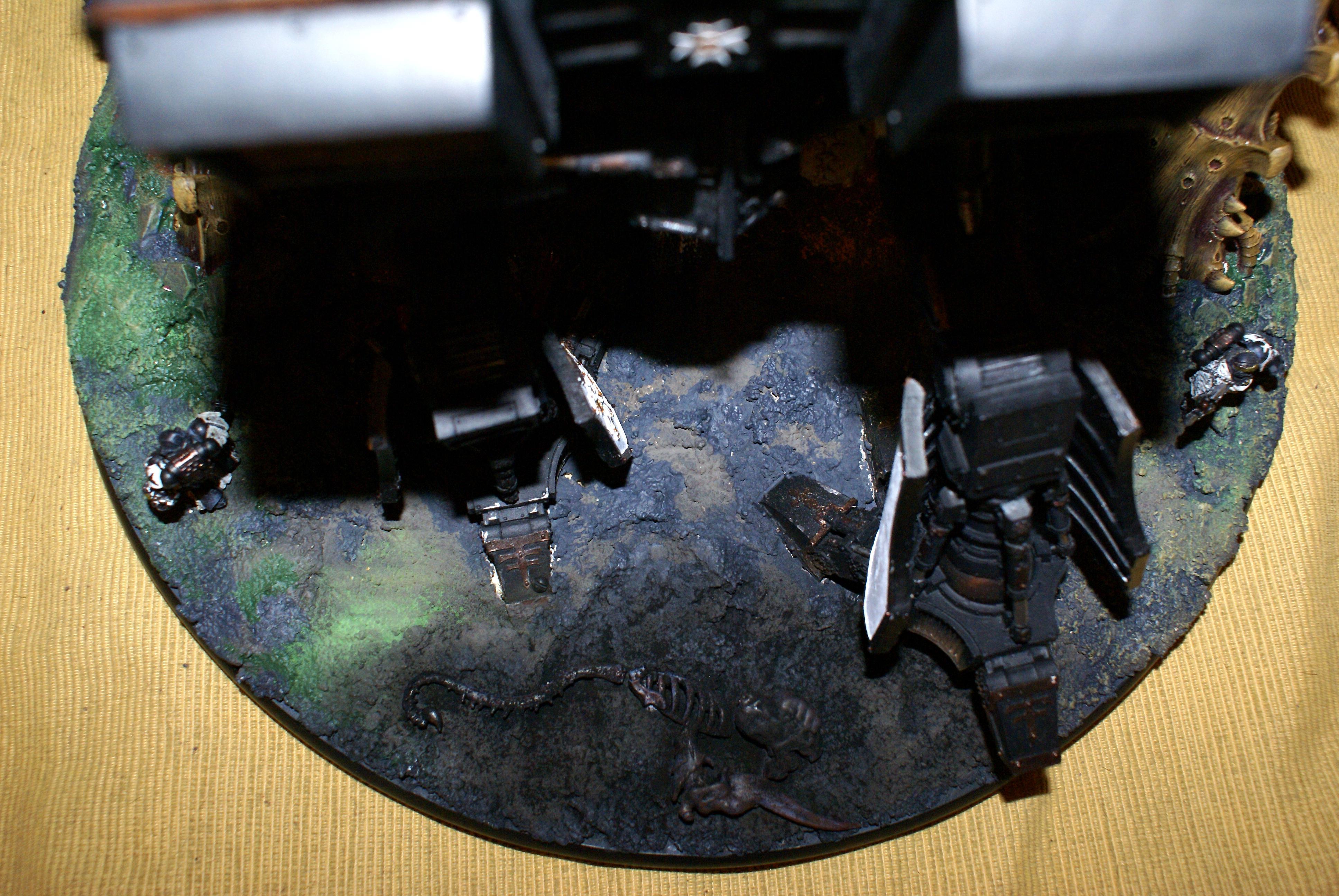 Titan Warhound 40k, One down, crispy.