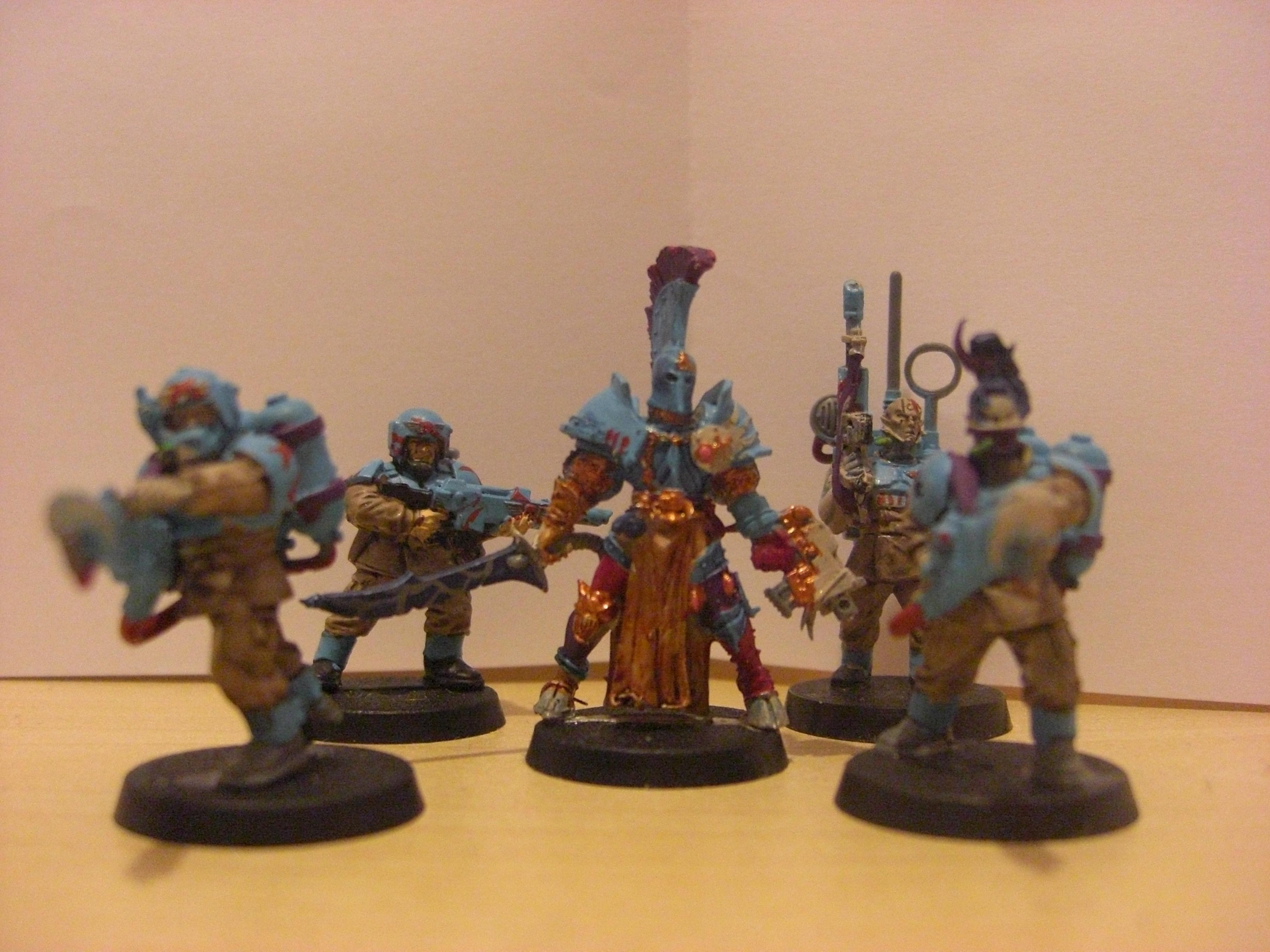 The whole squad - not sure if you can make it out but the guardsman on the far left is carrying the scabard for Assren's sword (because he's to cool to carry it himself obvs.)
