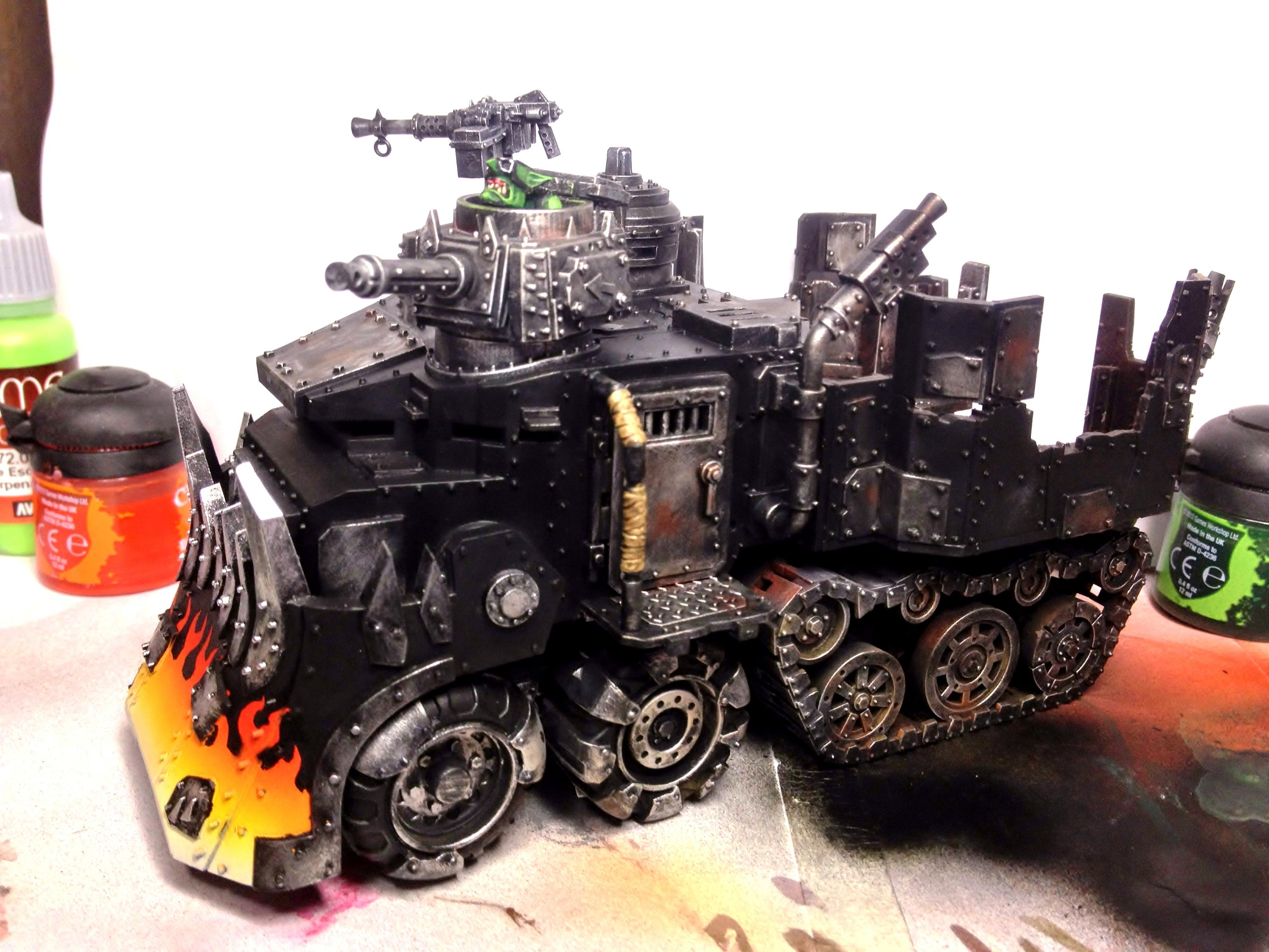 Battlewagon, Flames, Orks
