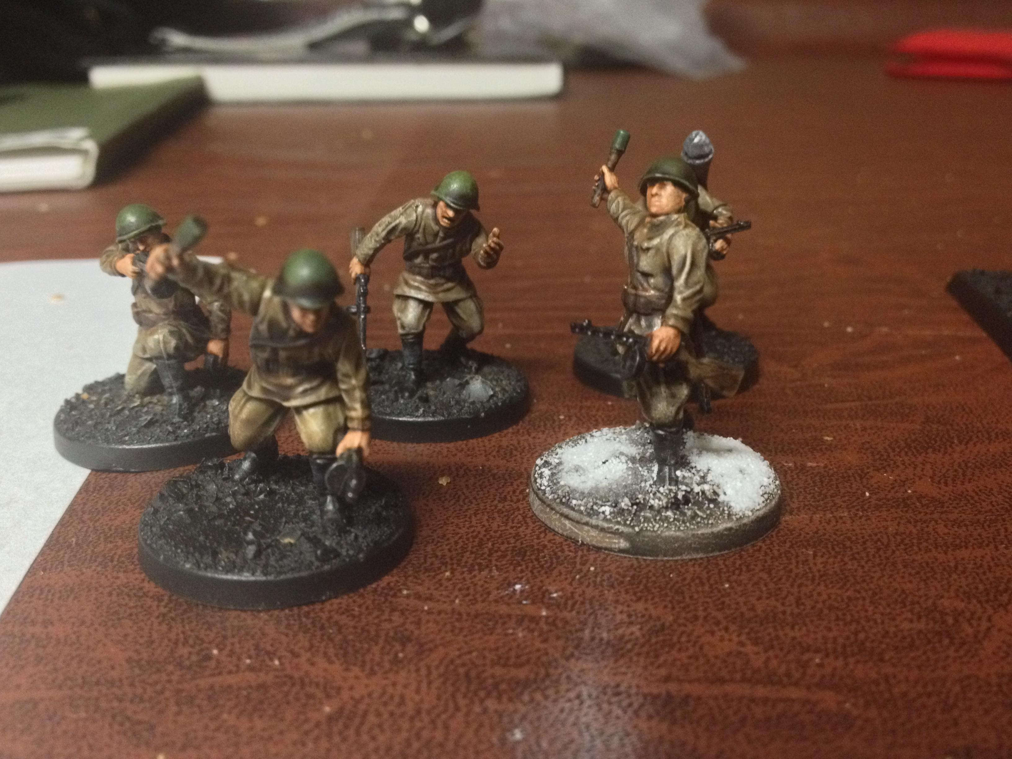 Mostly painted Guards Assault squad with Panzerfaust and AT grenades.  URAAAA!
