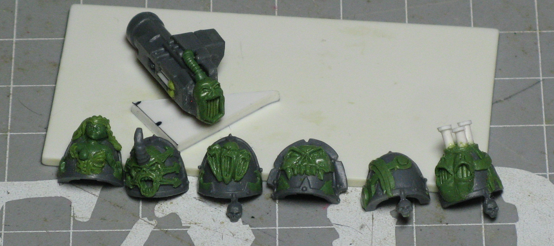 Chaos, Chaos Space Marines, Havoc Launcher, Noise Marines, Shoulder Guard, Warhammer 40,000