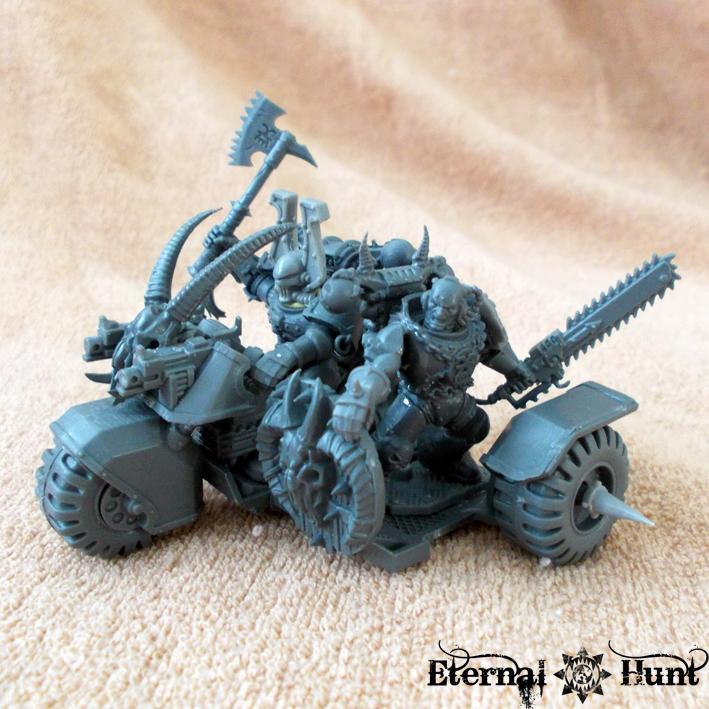 Bike, Chaos, Chaos Space Marines, Conversion, Hounds, Khorne, Khorne's Eternal Hunt, Trike, Veredus Pattern Assault Trike, Warhammer 40,000, World Eaters