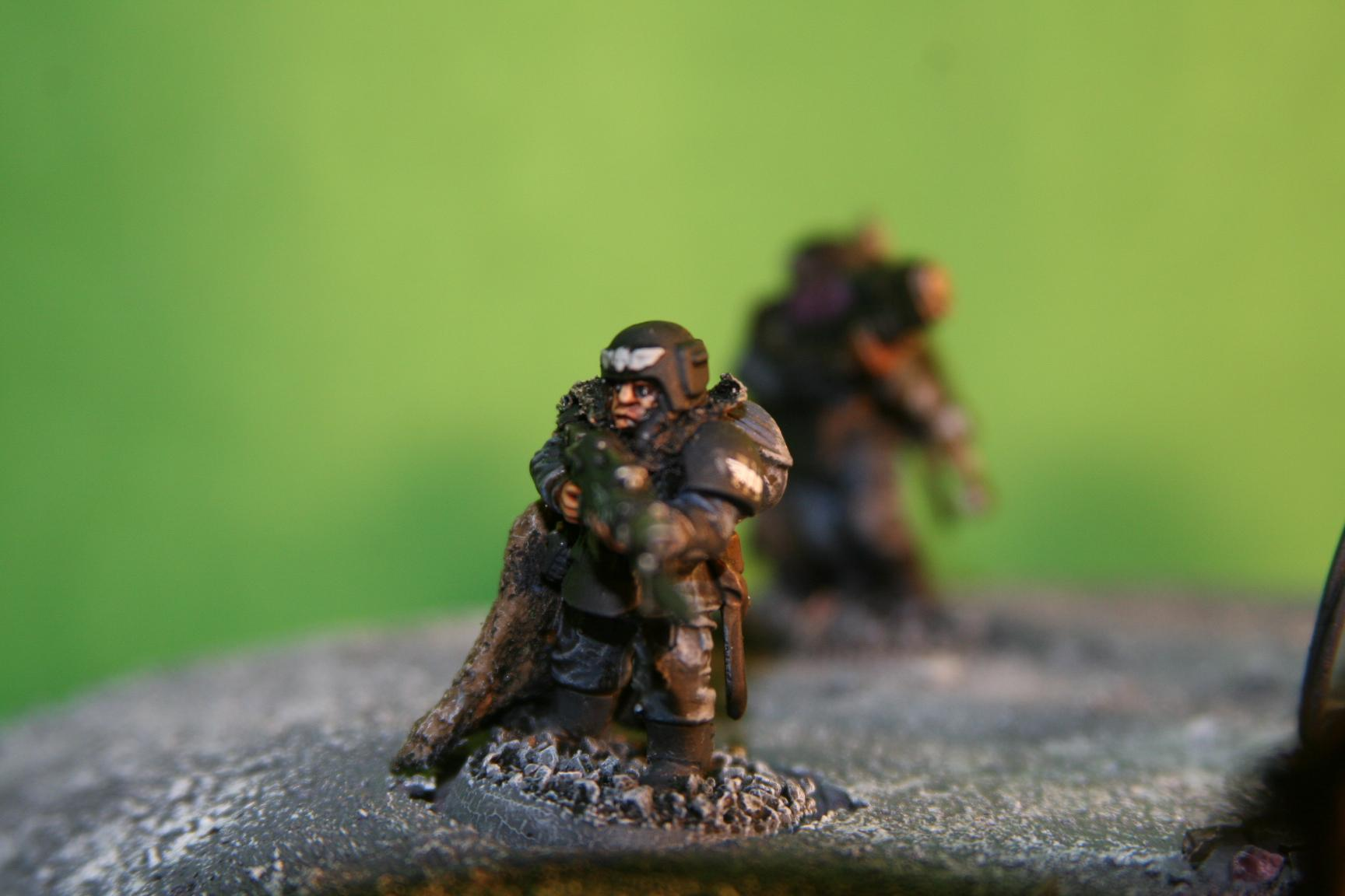 Lasgunner with eagle eyes (aka the only ones I bothered painting as a test) watching the perimeter
