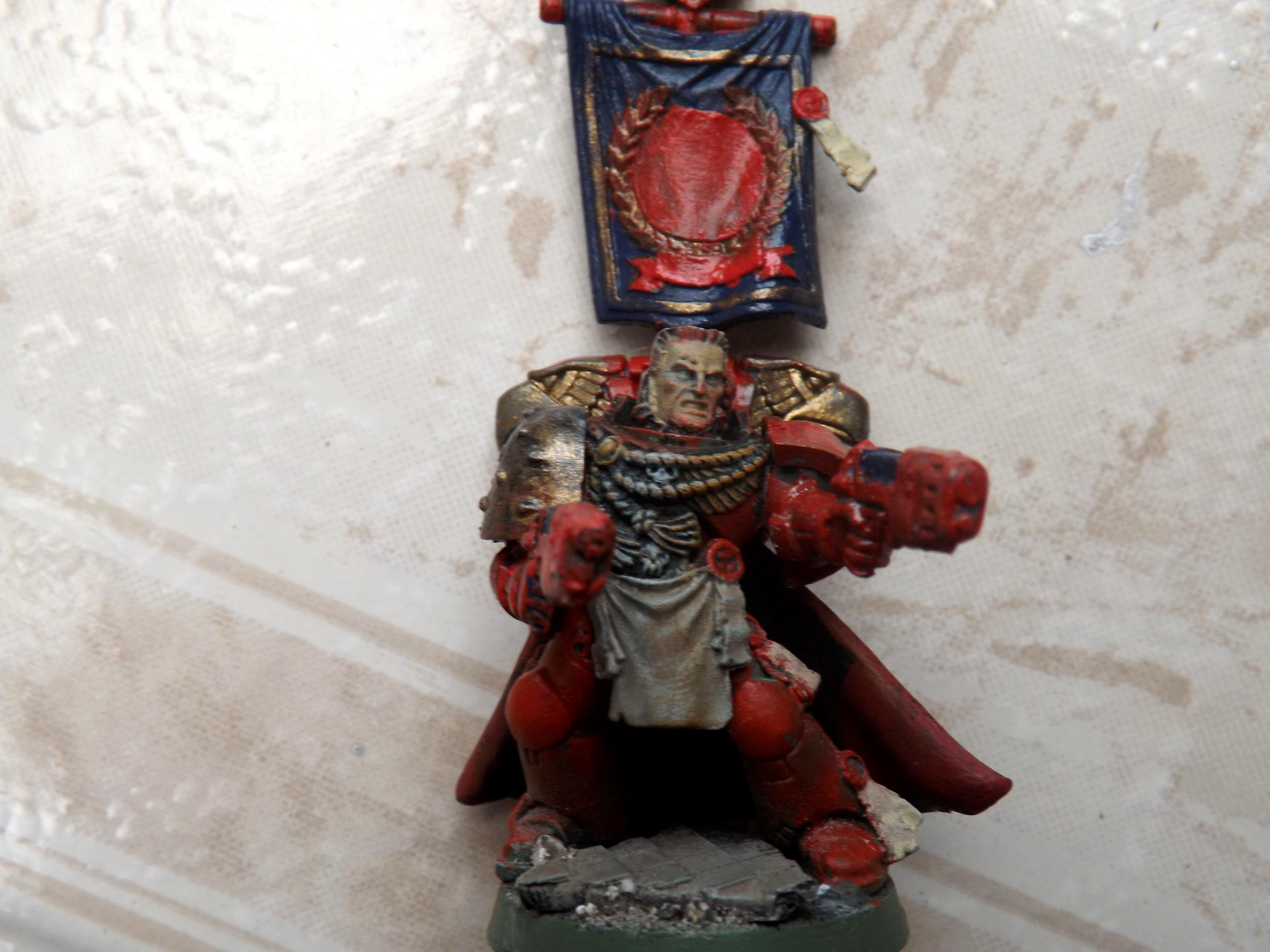 Space marine captain with banner (front)