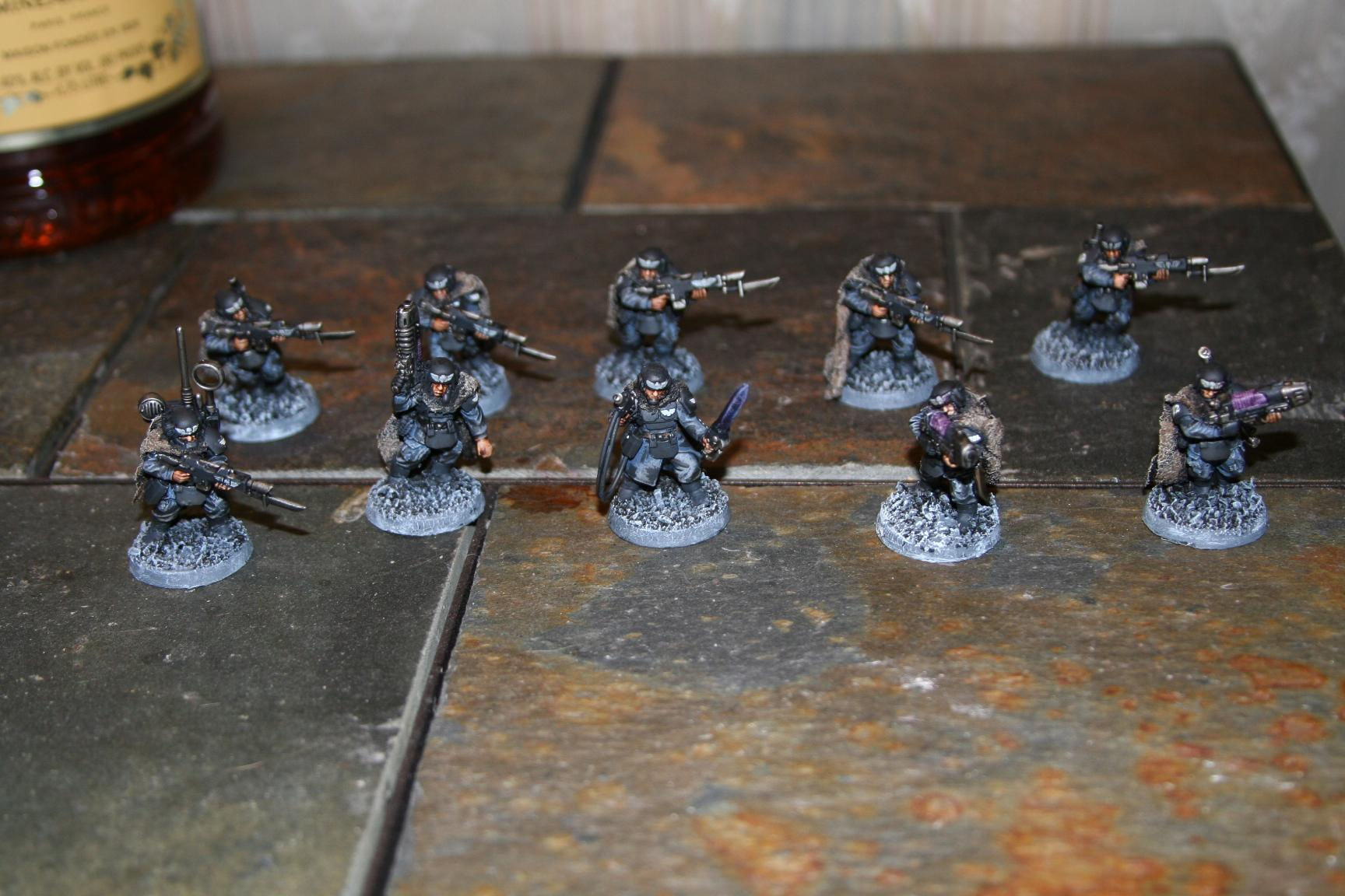 The finished squad!  All with carapace and camo cloaks!