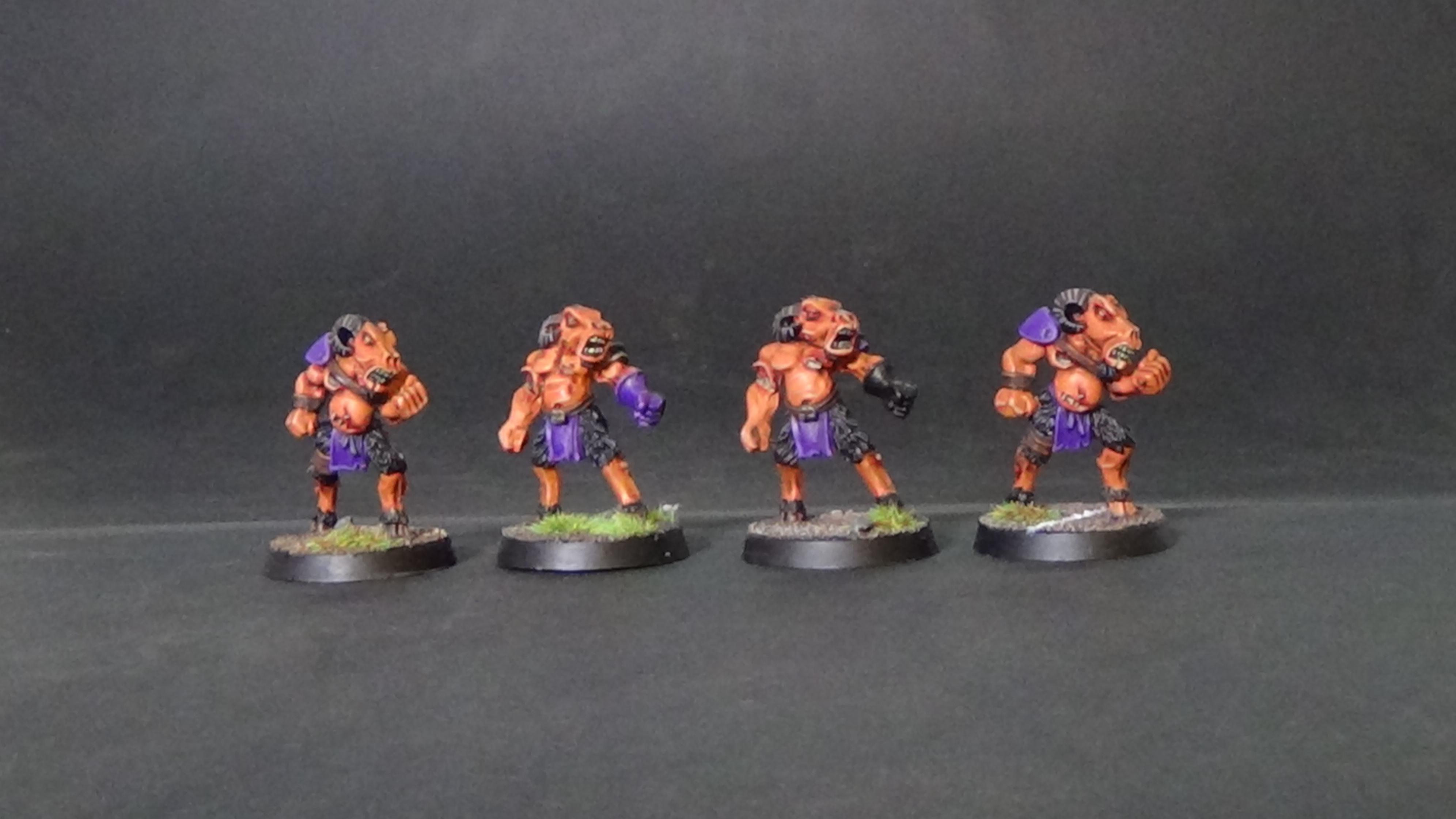 Bloodbowl beastmen zombles