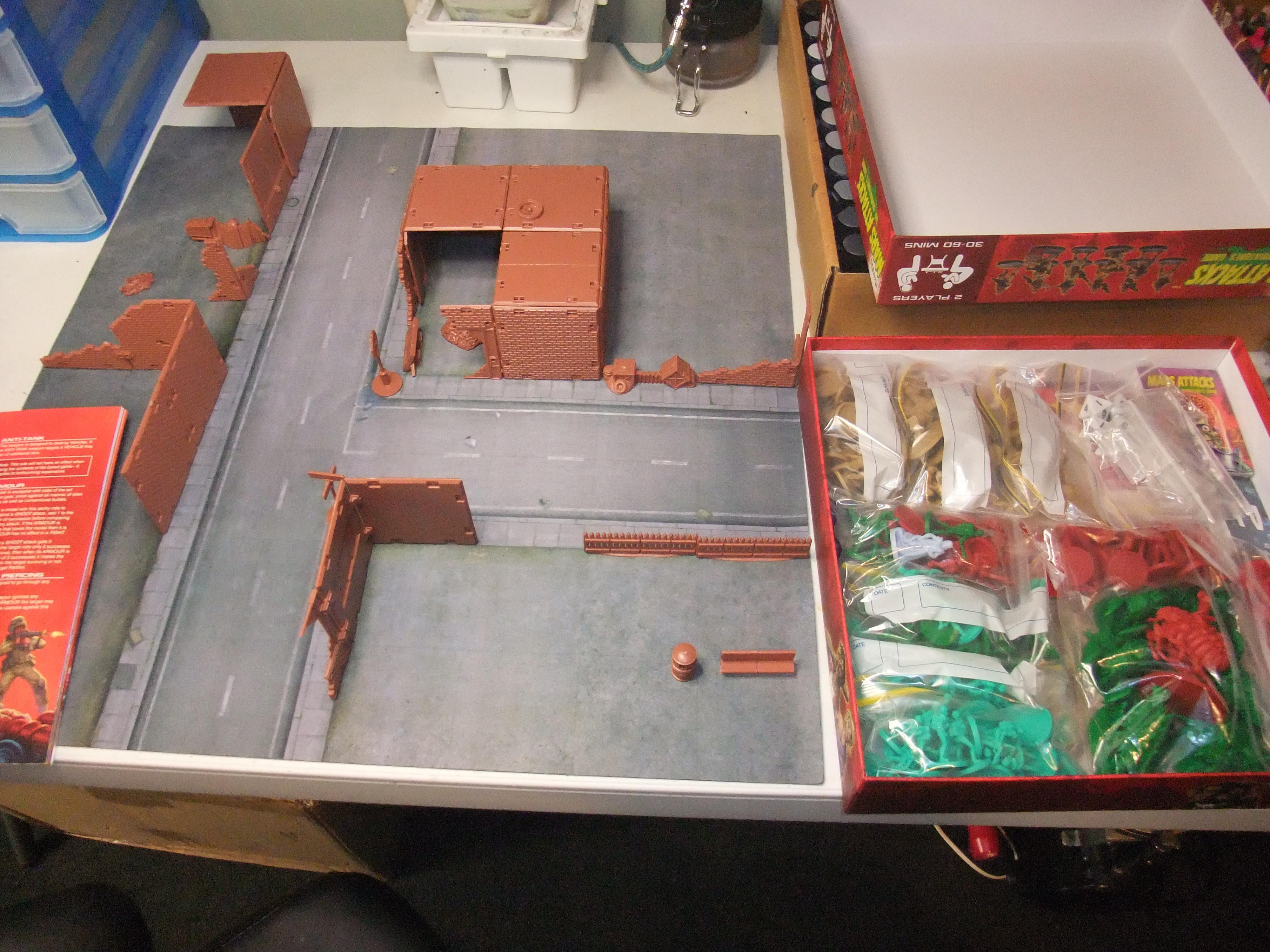 Mars Attacks first board