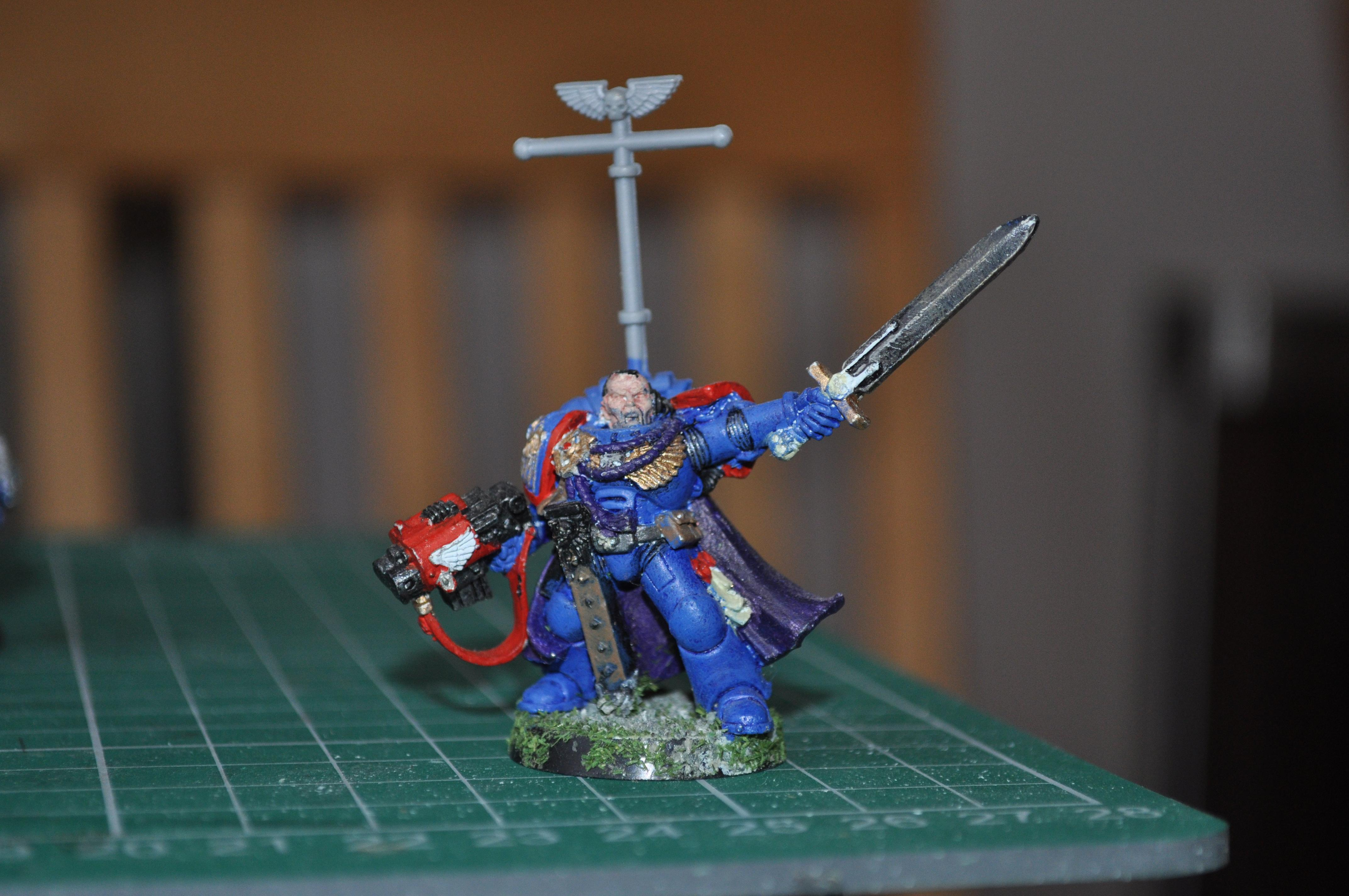 captain with storm bolter