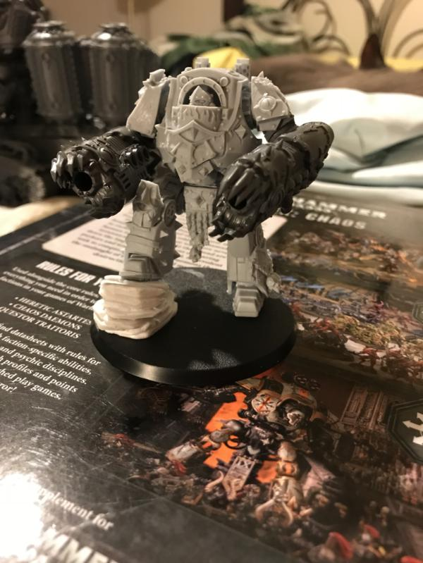 907592_sm-Contemptor%20with%20claws.jpeg