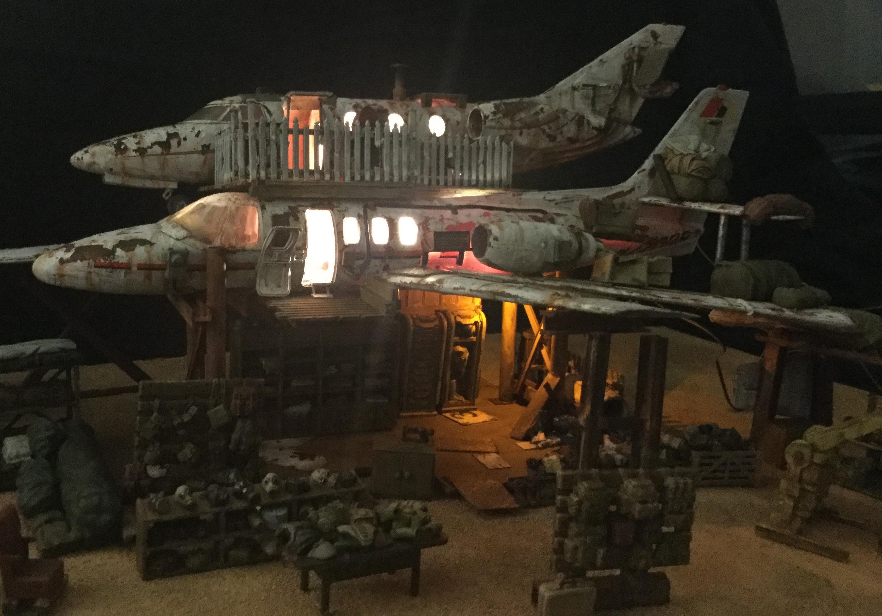 Airplane, Shop, Wastelands, Wreckage