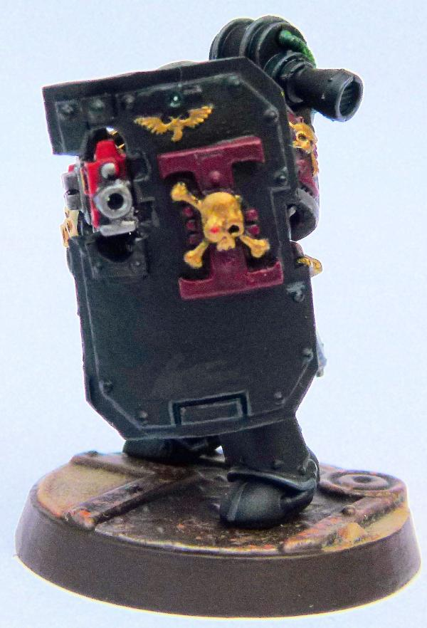 855000_sm-Invaders%20Deathwatch%20Vetera