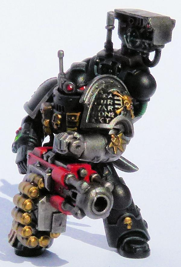 869669_sm-Iron%20Hands%20Deathwatch%20Ve