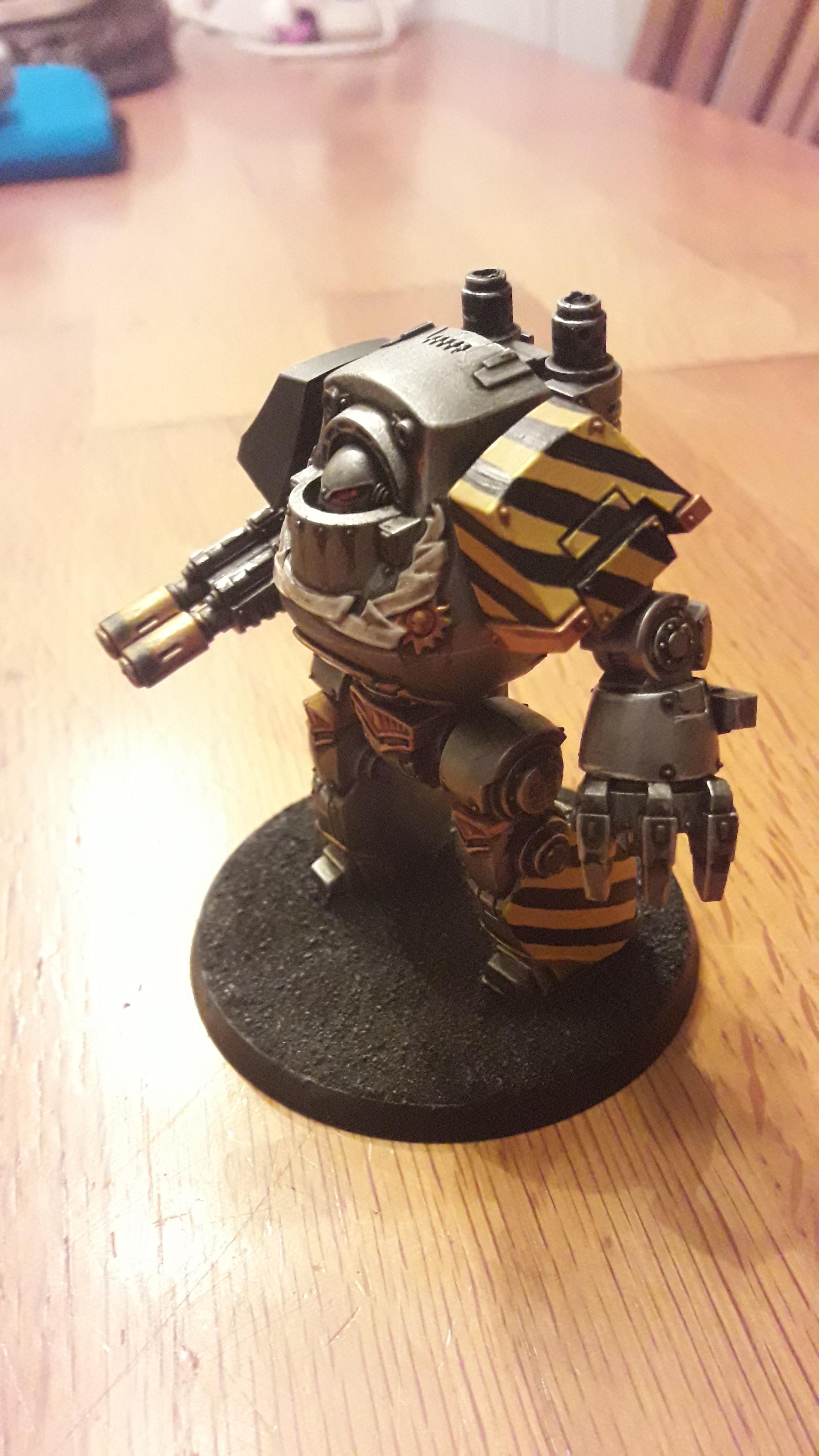 Iron Warriors Contemptor 01