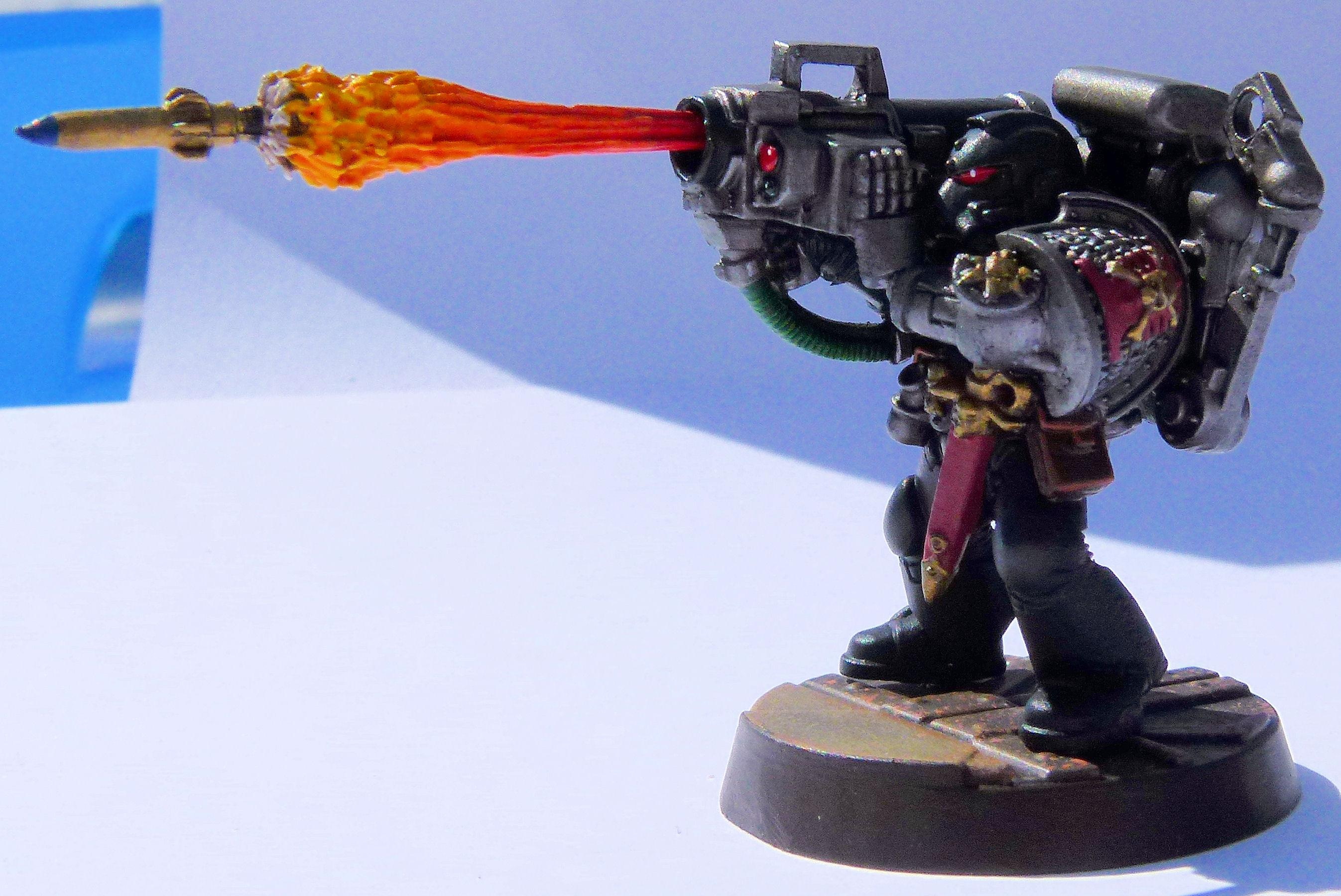 Deathwatch Skull Bearer Left