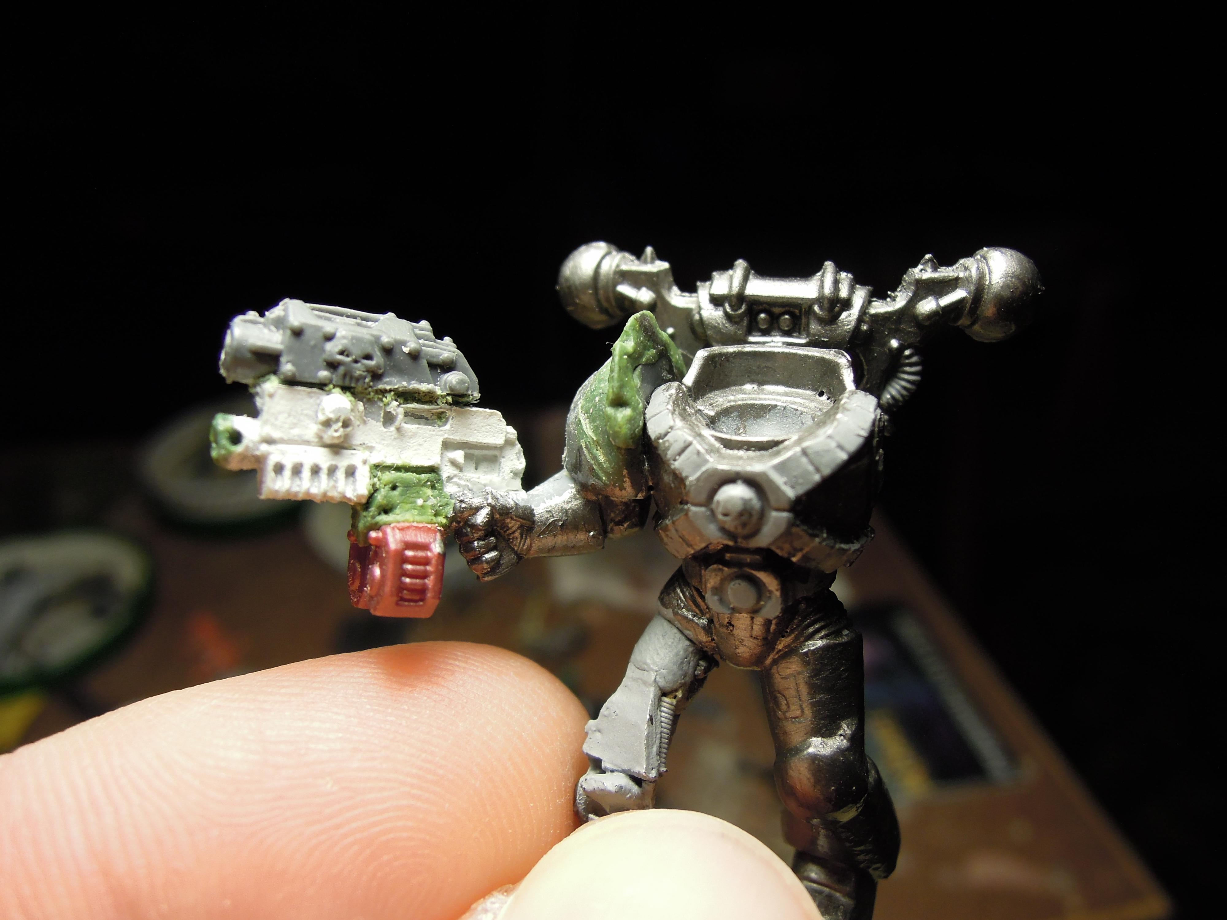 Chaos, Chaos Space Marines, Combi Weapon, Conversion, Greenstuff, Heretic Astartes, Iron Warriors, Iron Within, Iron Without!, Servo Leg, Warhammer 40,000, Work In Progress