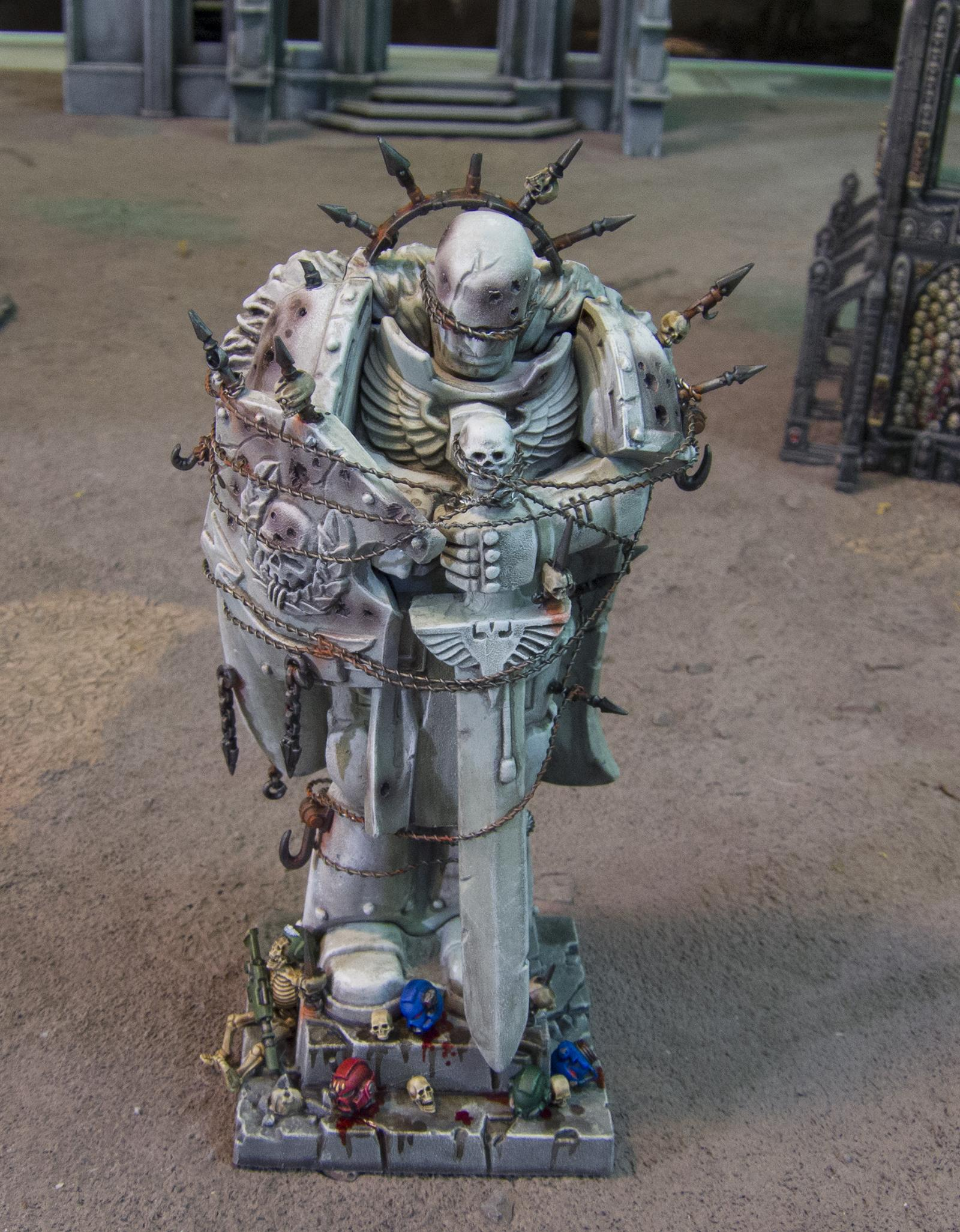 Honoured Imperium statue (debased by Chaos) 08