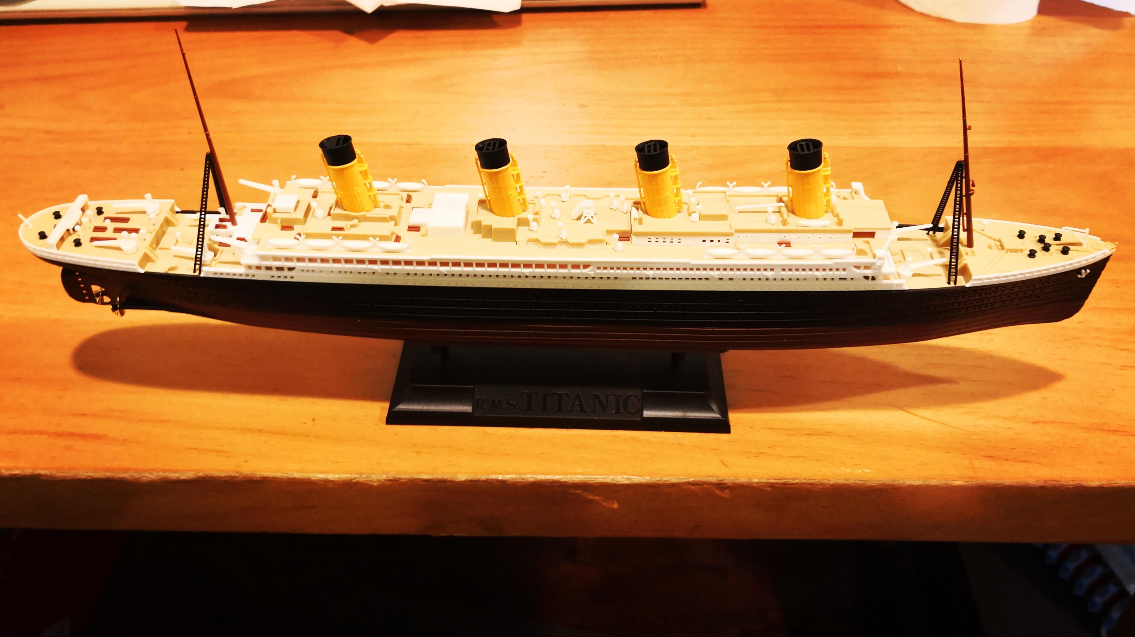 Titanic 700