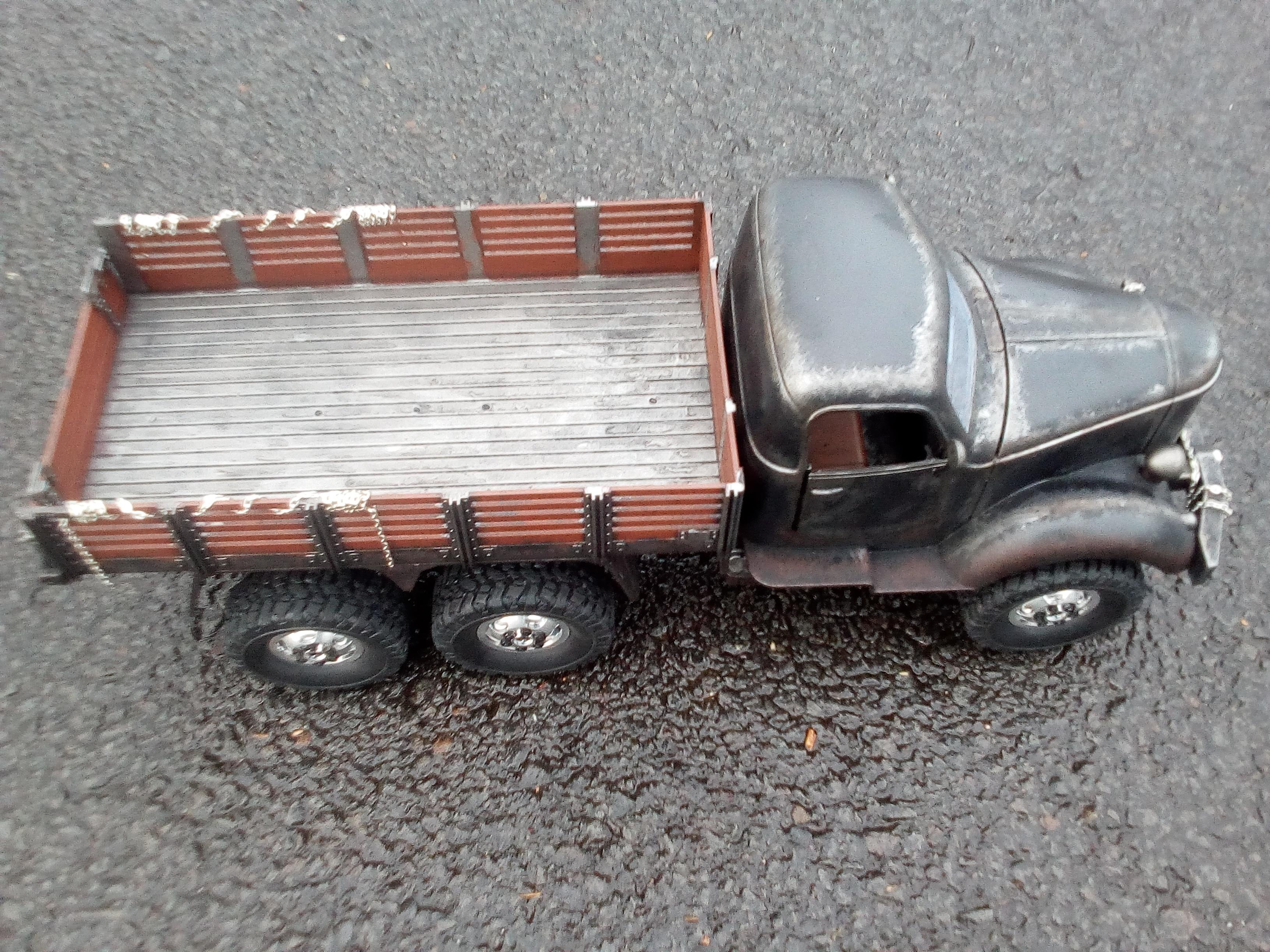 Custom Q60 Post Apocalyptic RC 6x6 Truck