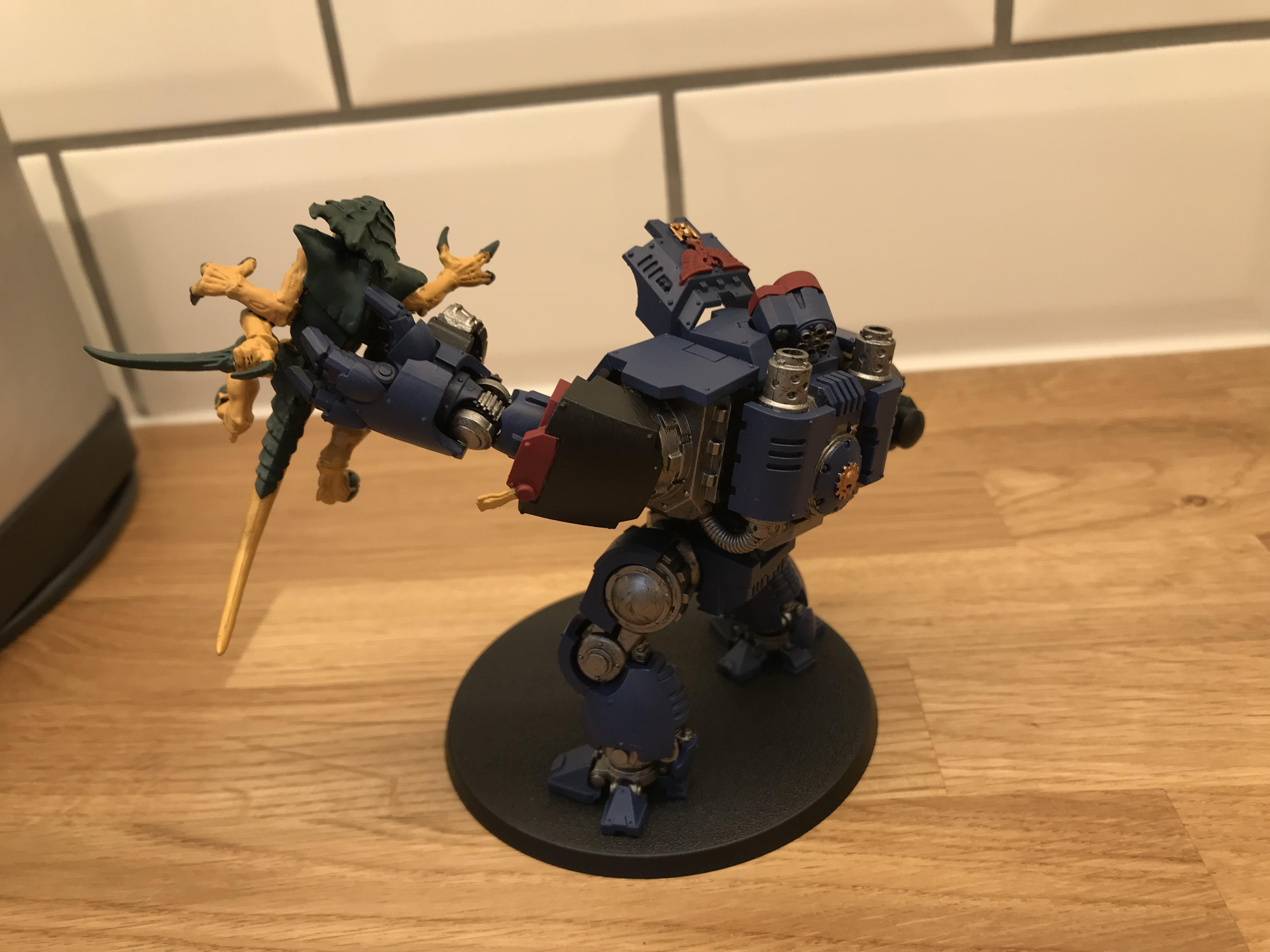 Base coated Redemptor and Tyranid Warrior - left