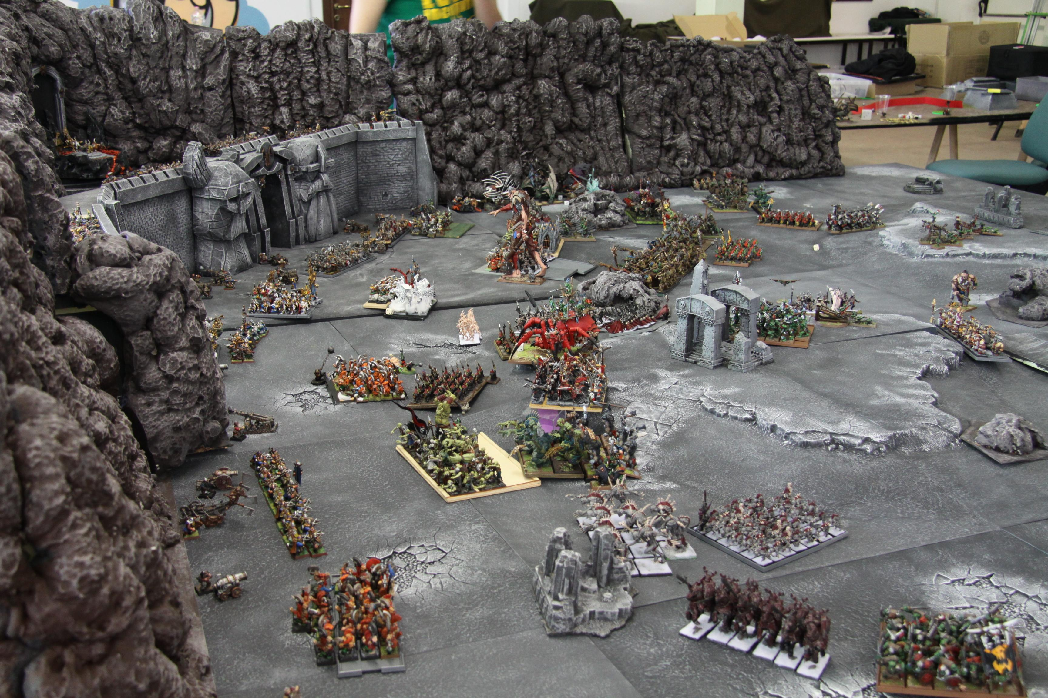 Castle, Dwarves, Empire, Epic Battle, River, Vampire, Warhammer